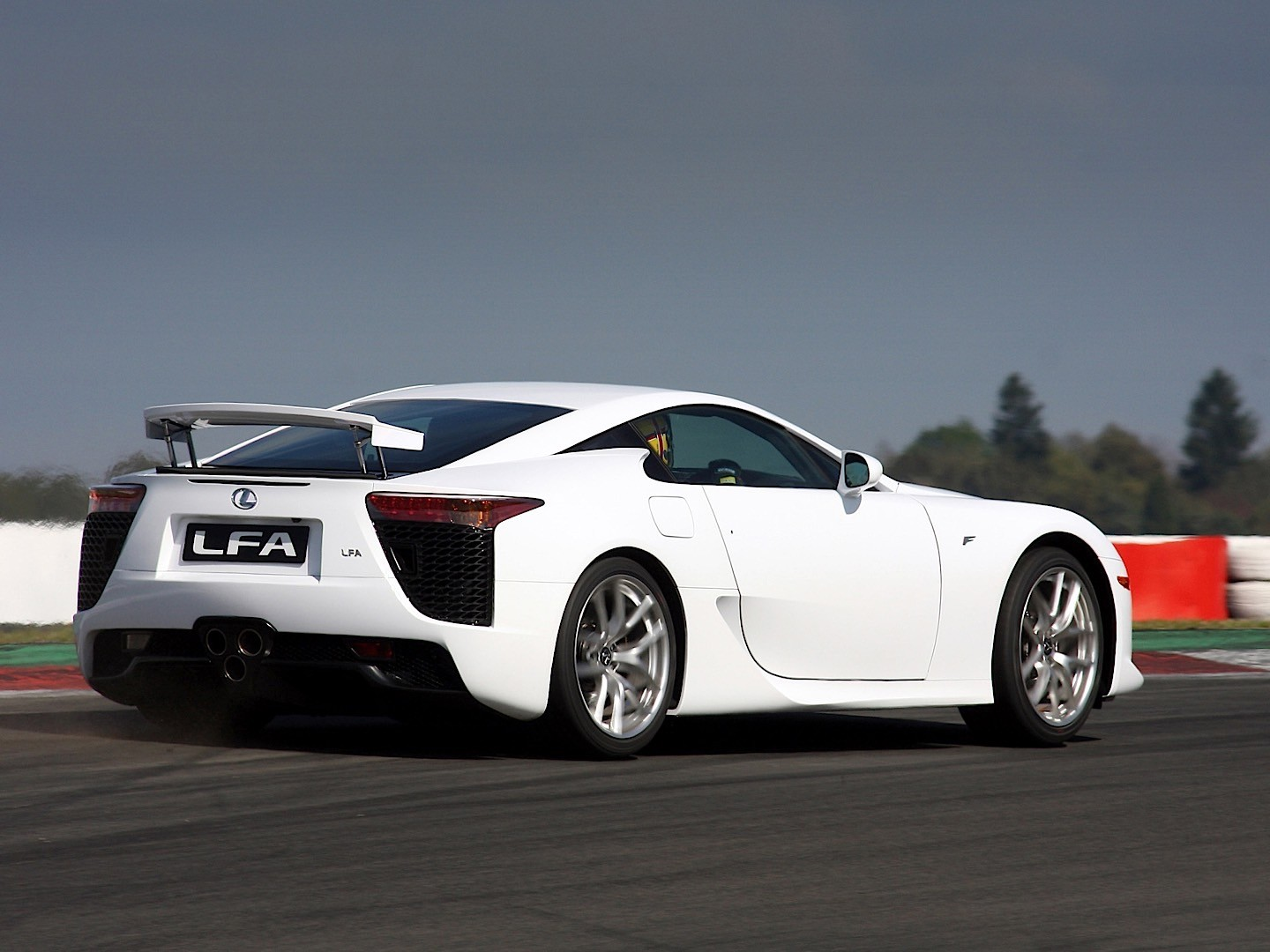 Acura Exotic Car >> LEXUS LFA specs - 2010, 2011, 2012, 2013 - autoevolution