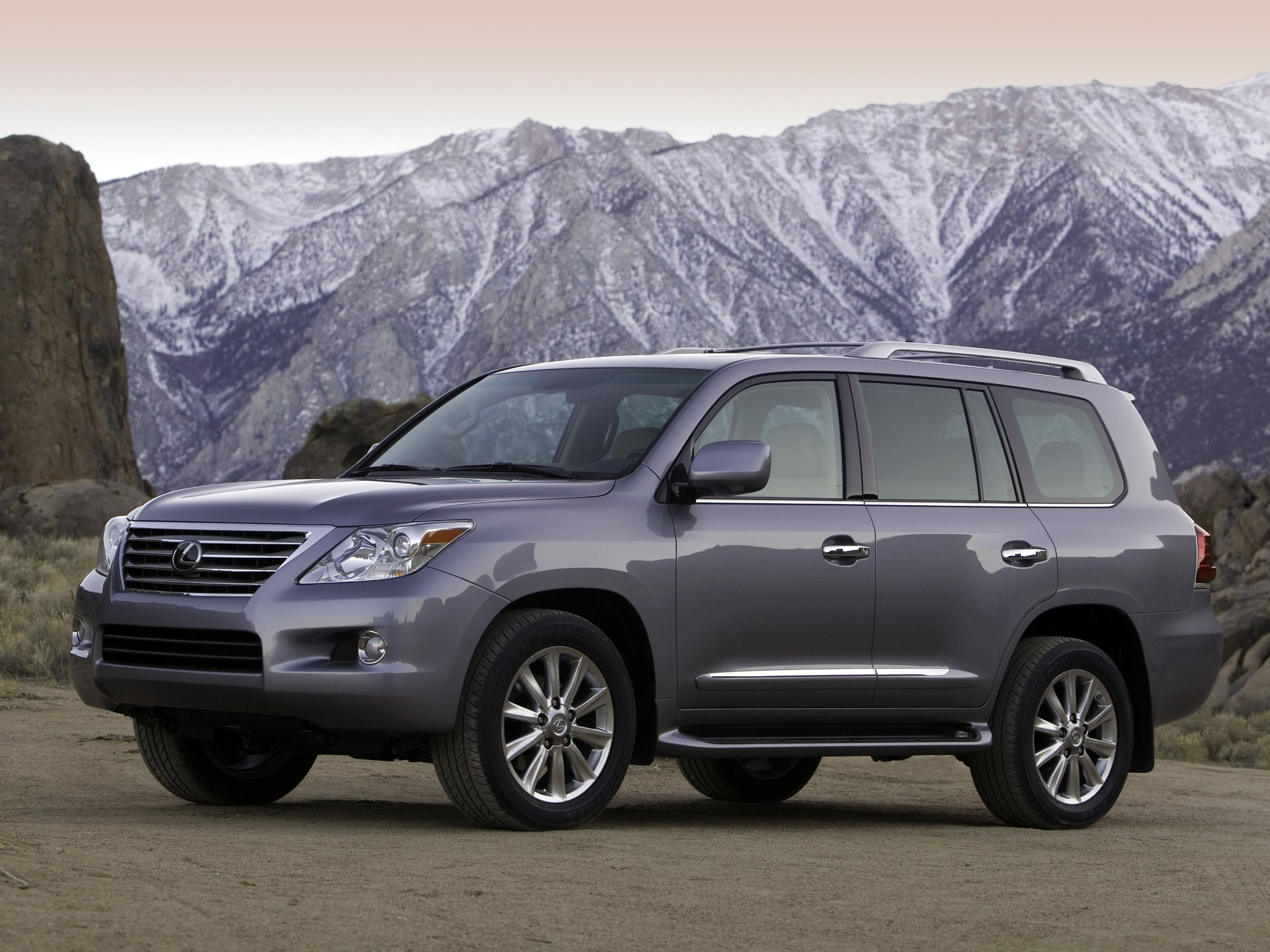 lexus lx specs 2008 2009 2010 2011 2012 autoevolution. Black Bedroom Furniture Sets. Home Design Ideas
