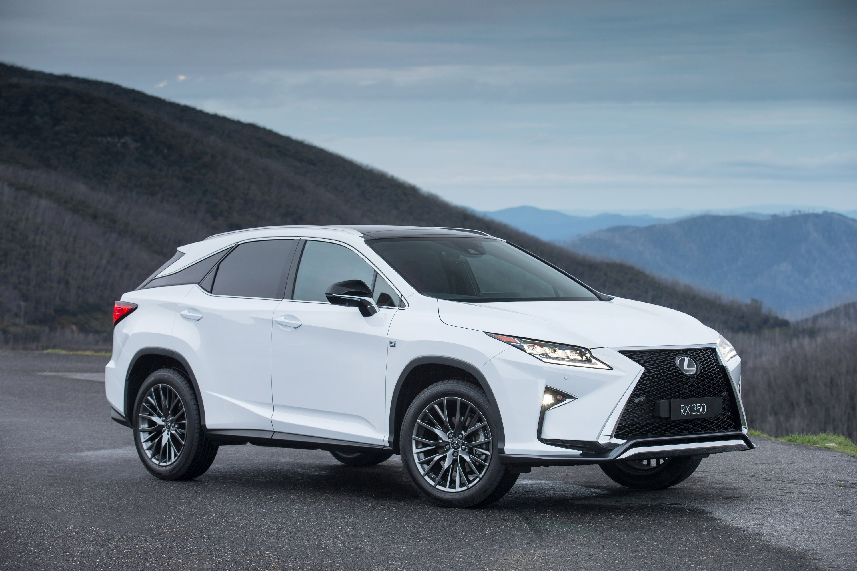 lexus rx specs 2016 2017 autoevolution. Black Bedroom Furniture Sets. Home Design Ideas