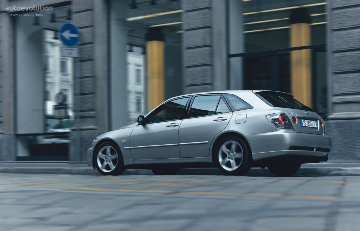 Cars For Short People >> LEXUS IS Sport Cross - 2001, 2002, 2003, 2004, 2005 - autoevolution