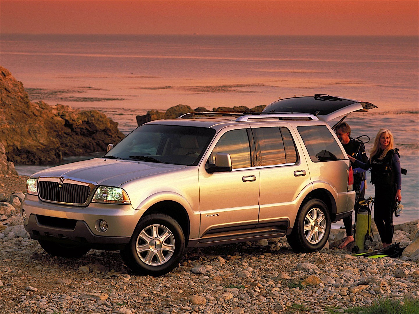 LINCOLN AVIATOR specs & photos - 2002, 2003, 2004, 2005 ...