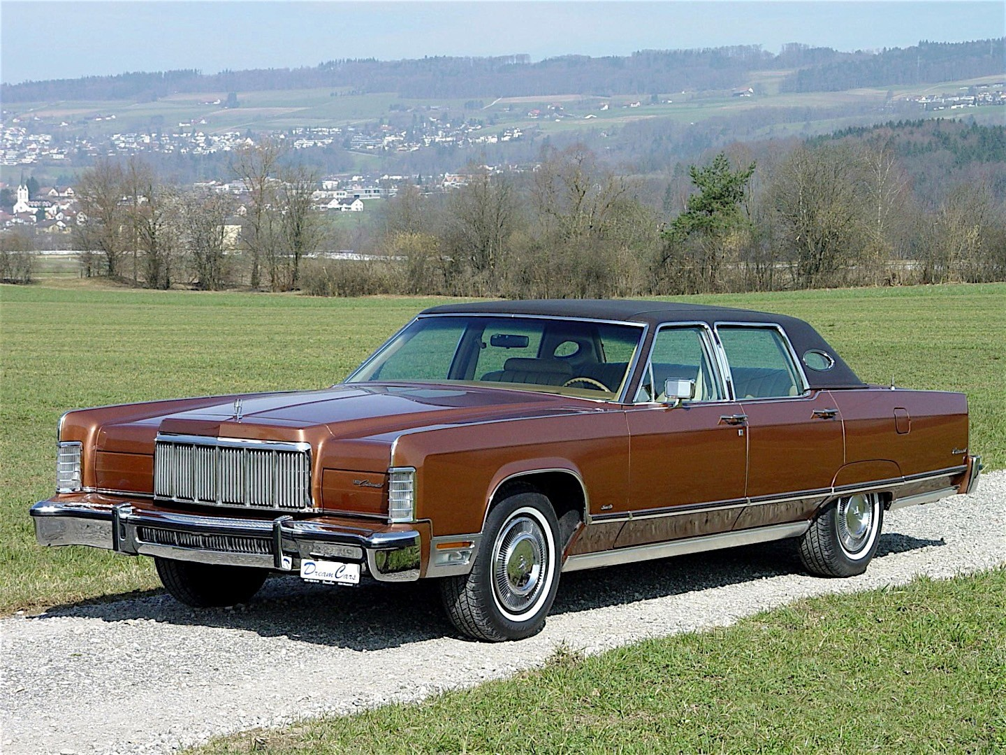 lincoln continental specs photos 1970 1971 1972. Black Bedroom Furniture Sets. Home Design Ideas