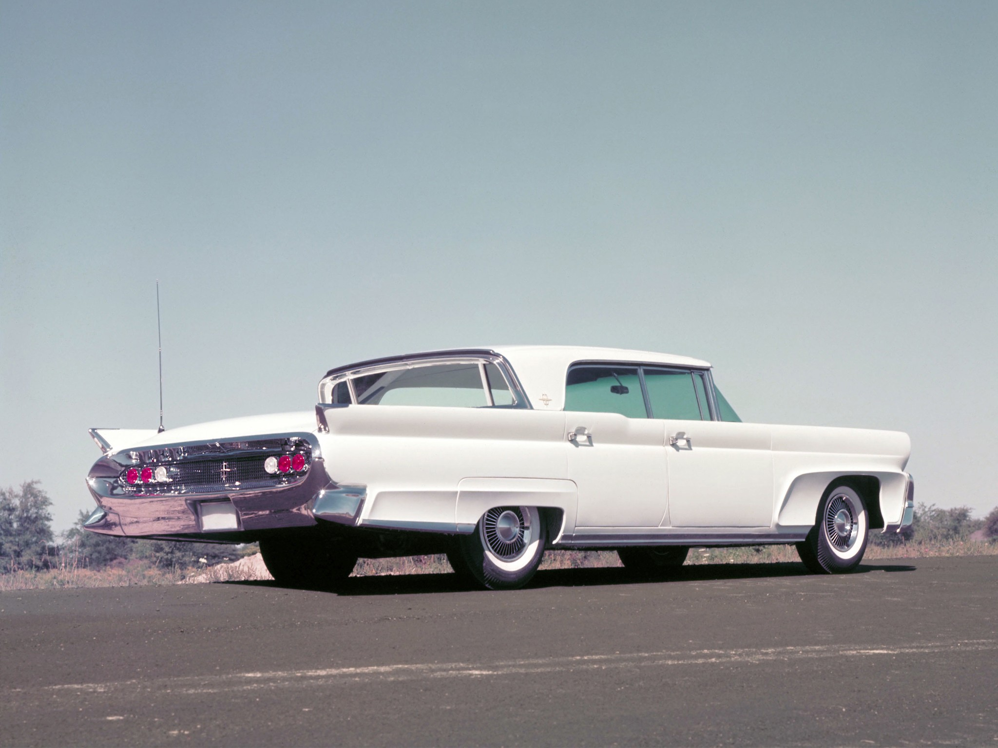 Lincoln Continental Specs Amp Photos 1958 1959 1960