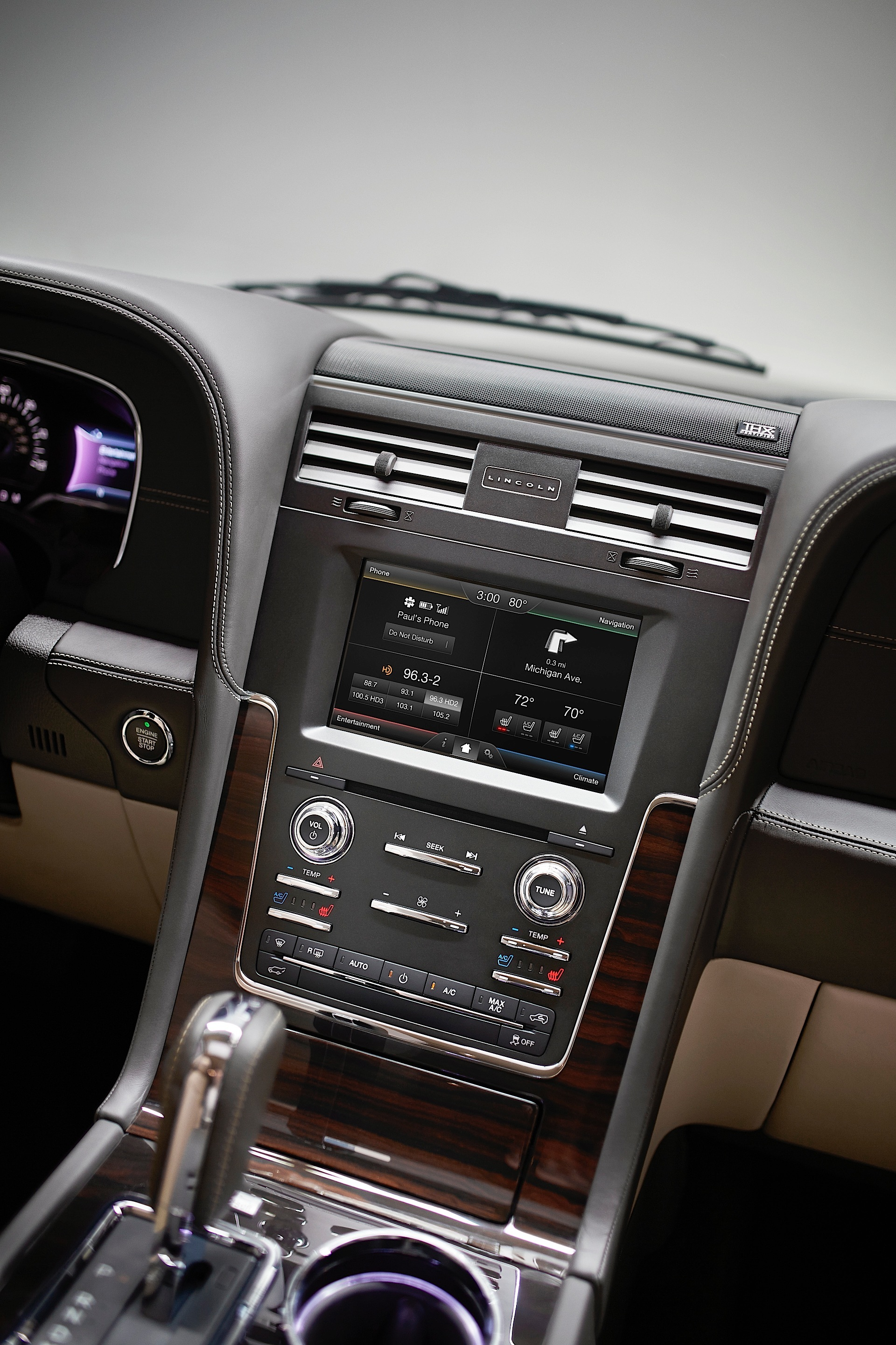 lincoln navigator ford autoevolution motor introduces level beauty power company interior cars motortrend system specs center machinespider autos box