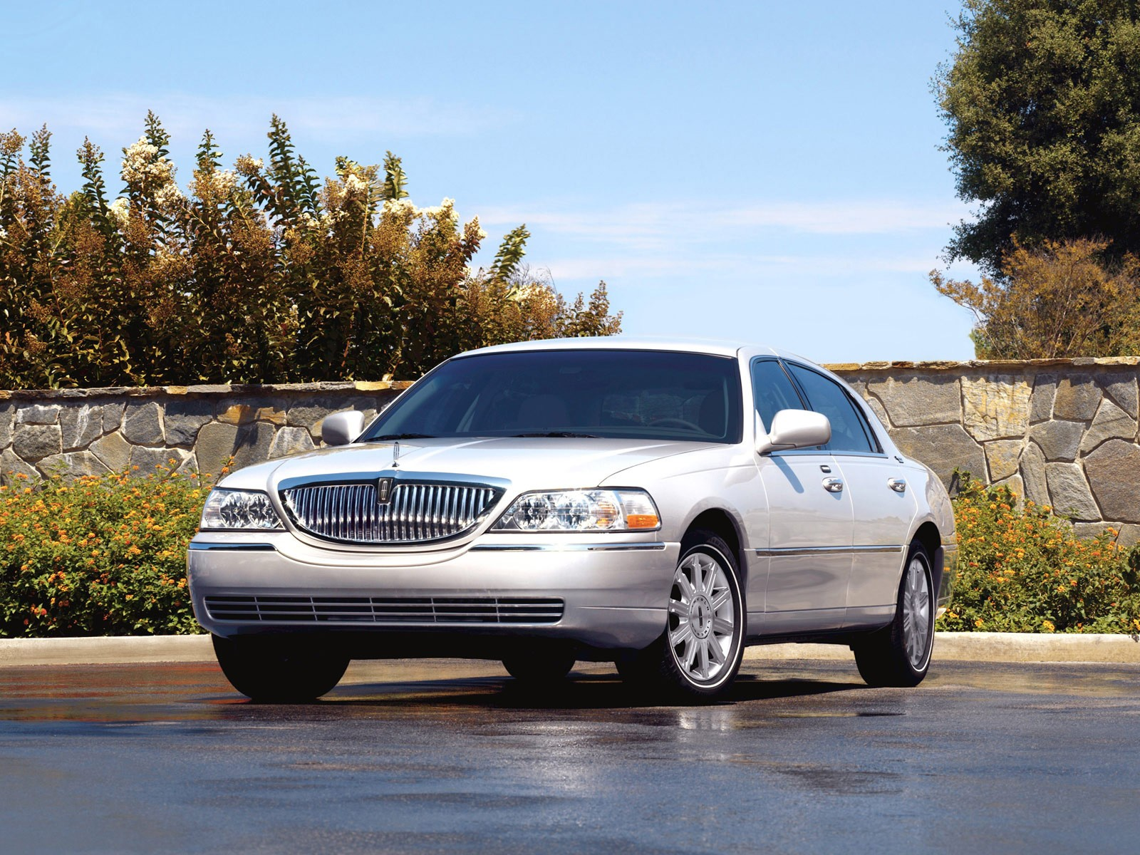 Lincoln Town Car Specs 2007 2008 2009 2010 2011 Autoevolution