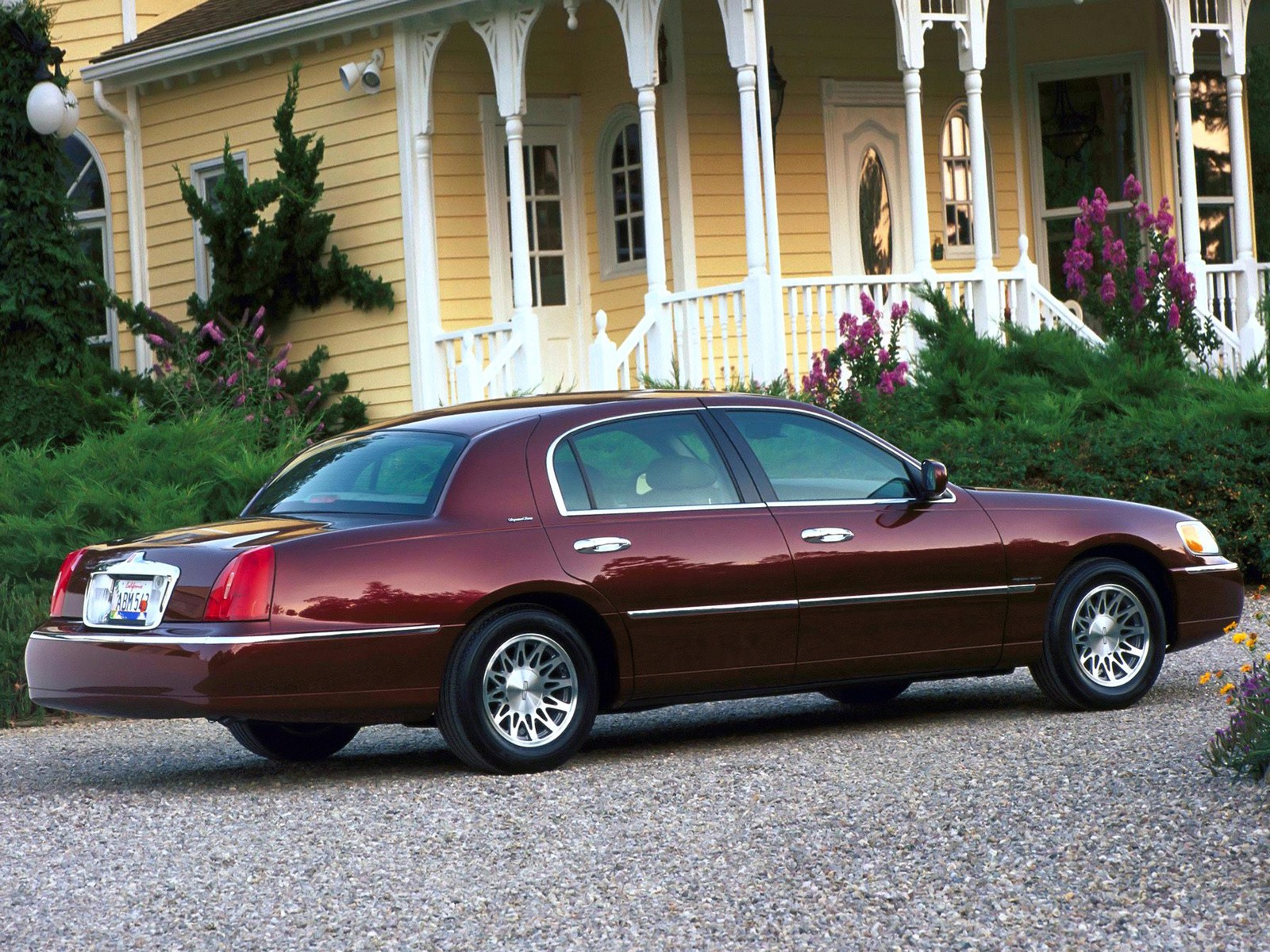 car sale limousine inventory town black lincoln rear right cars for inch