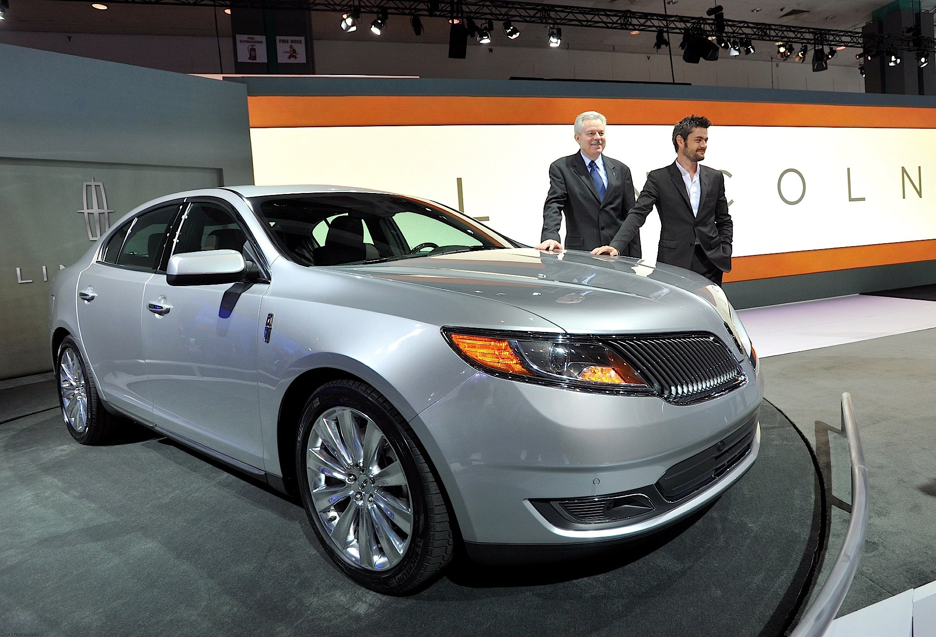 at mks modern black label white launches los show heritage confidential lincoln auto mkz news angeles