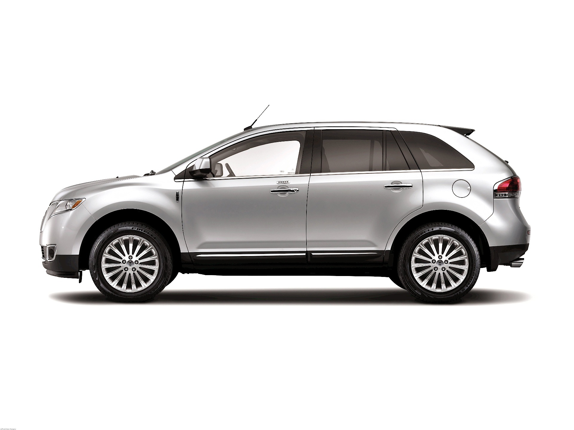 lincoln mkx specs 2011 2012 2013 2014 2015 2016 2017 2018 autoevolution. Black Bedroom Furniture Sets. Home Design Ideas