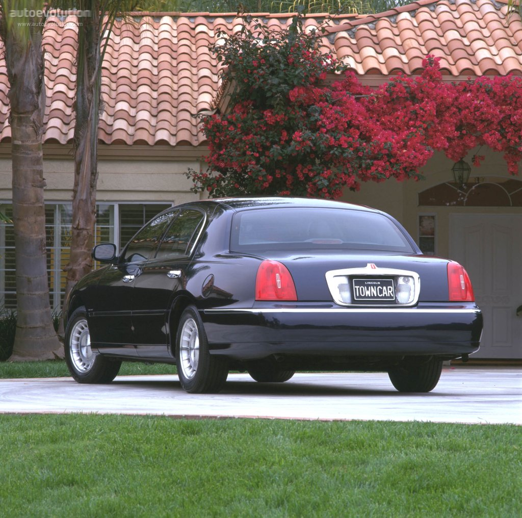 lincoln town car specs 1998 1999 2000 2001 2002. Black Bedroom Furniture Sets. Home Design Ideas