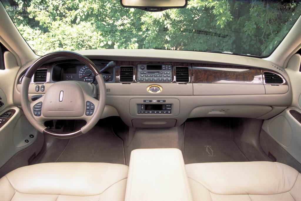 Lincoln Town Car Specs Photos 1998 1999 2000 2001 2002 2003