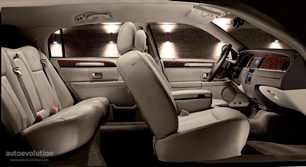 Lincoln Town Car 2003 2004 2005 2006 Autoevolution