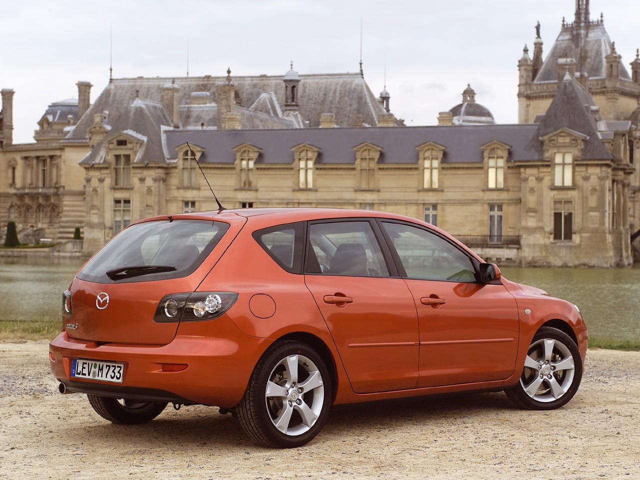 2006 mazda 3 hatchback interior