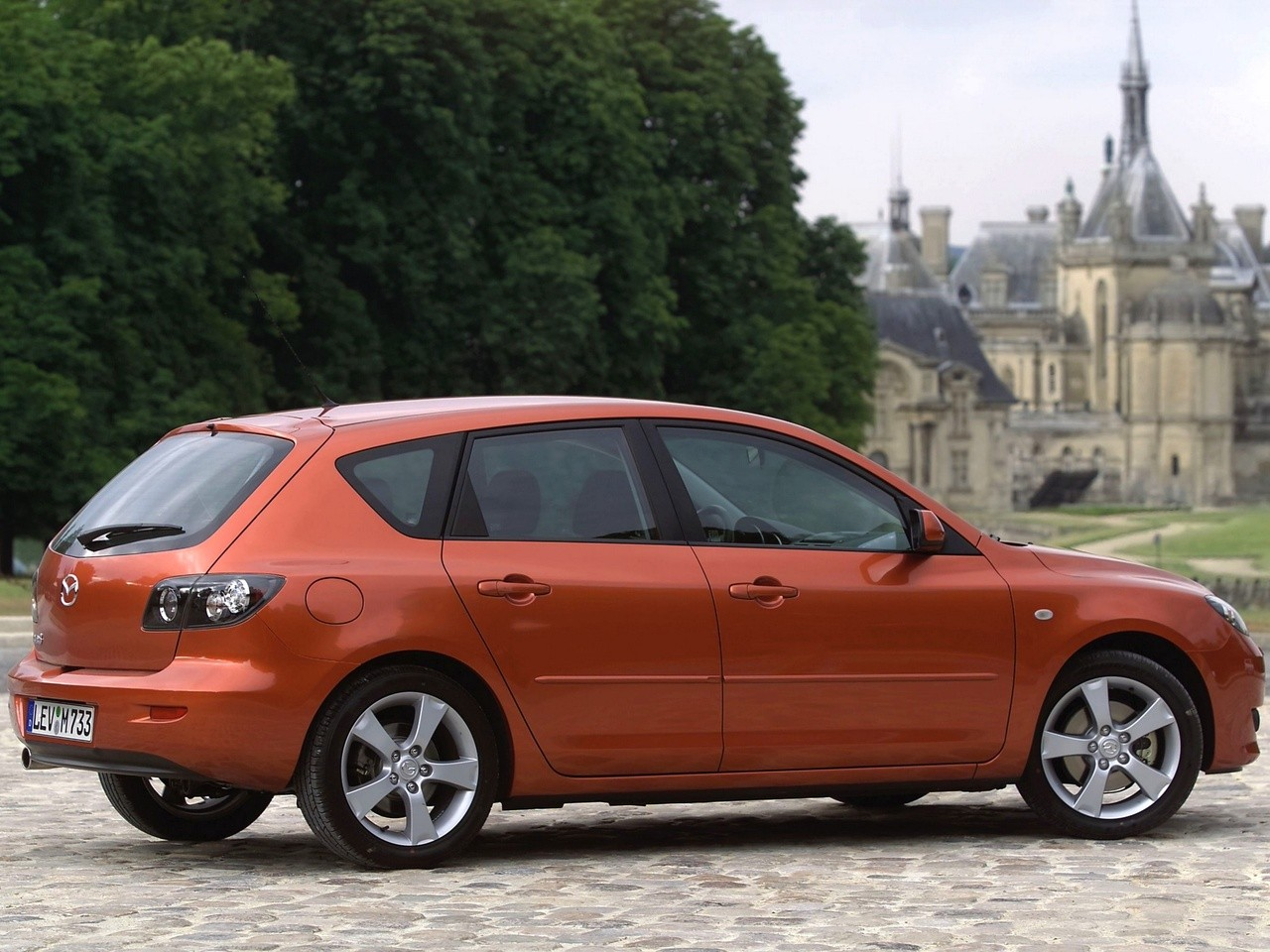 Captivating ... MAZDA 3 / Axela Hatchback (2004   2009) ...