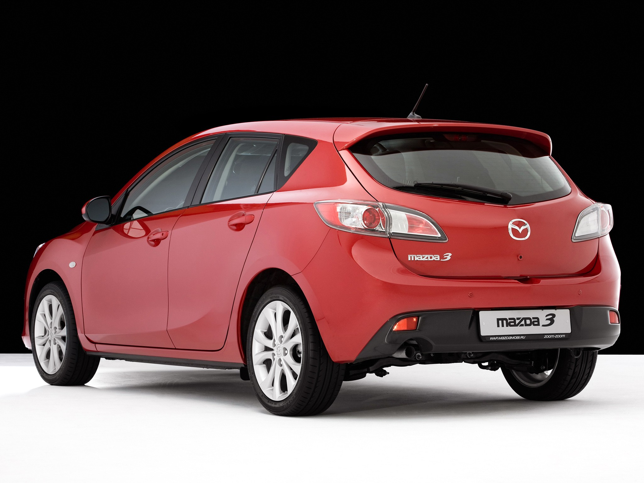 mazda 3 axela hatchback specs 2009 2010 2011 2012 2013 autoevolution. Black Bedroom Furniture Sets. Home Design Ideas
