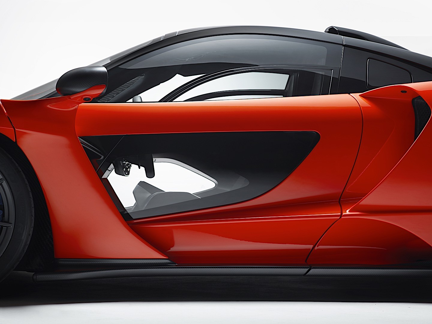9 Seater Car >> MCLAREN Senna specs & photos - 2018, 2019 - autoevolution