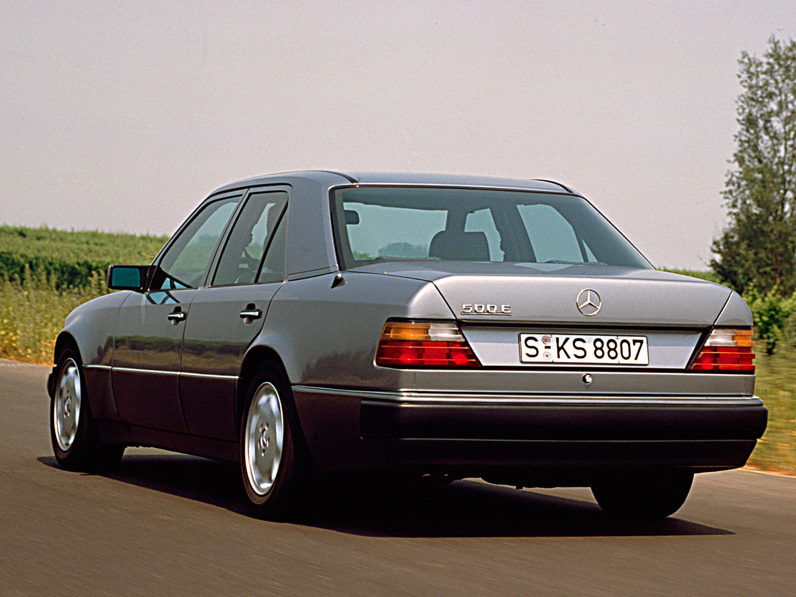 Mercedes benz 500 e w124 specs photos 1991 1992 for Benz sport katalog