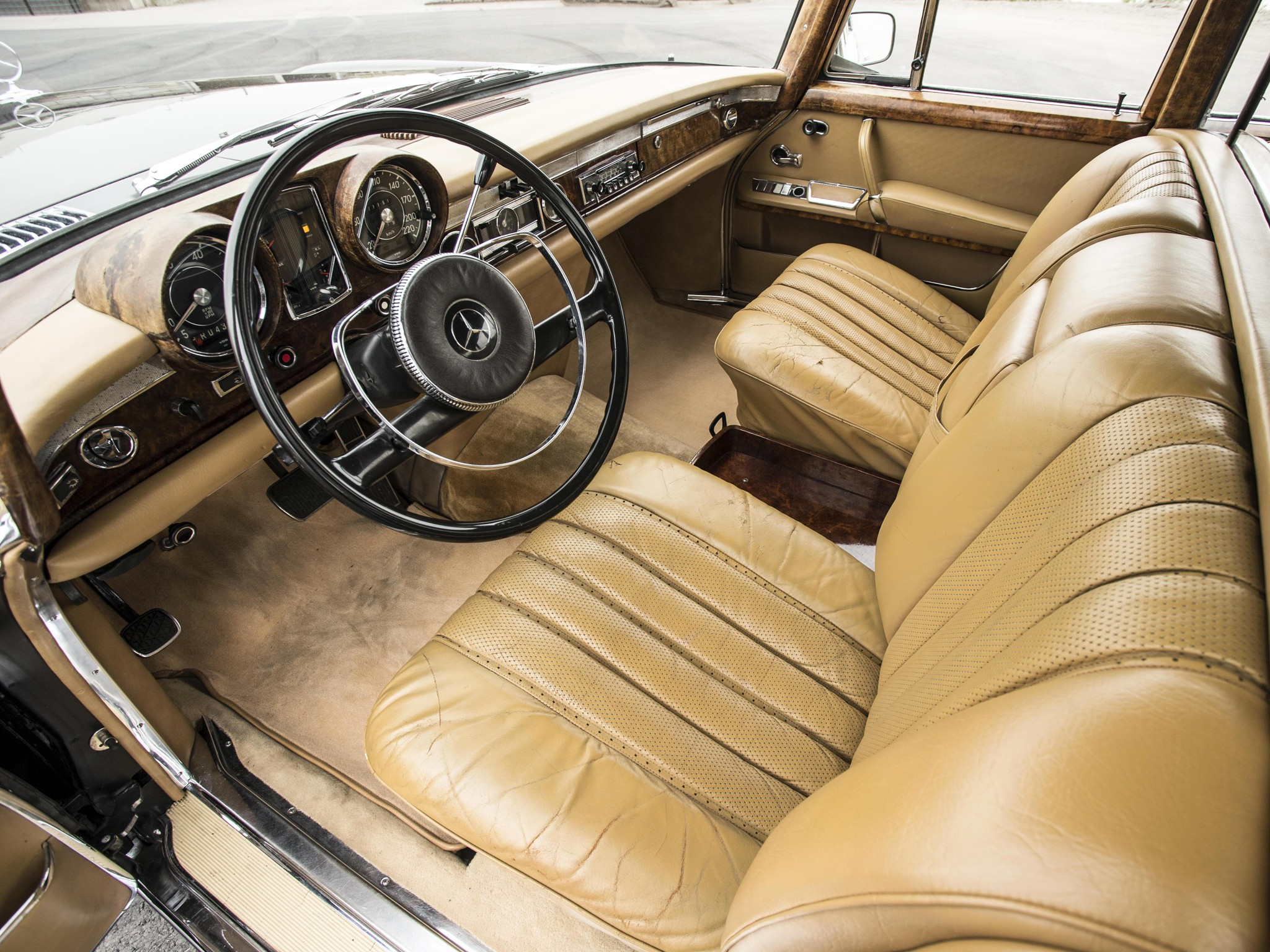 mercedes benz 600 pullman v100 specs 1964 1965 1966 1967 1968 1969 1970 1971 1972. Black Bedroom Furniture Sets. Home Design Ideas