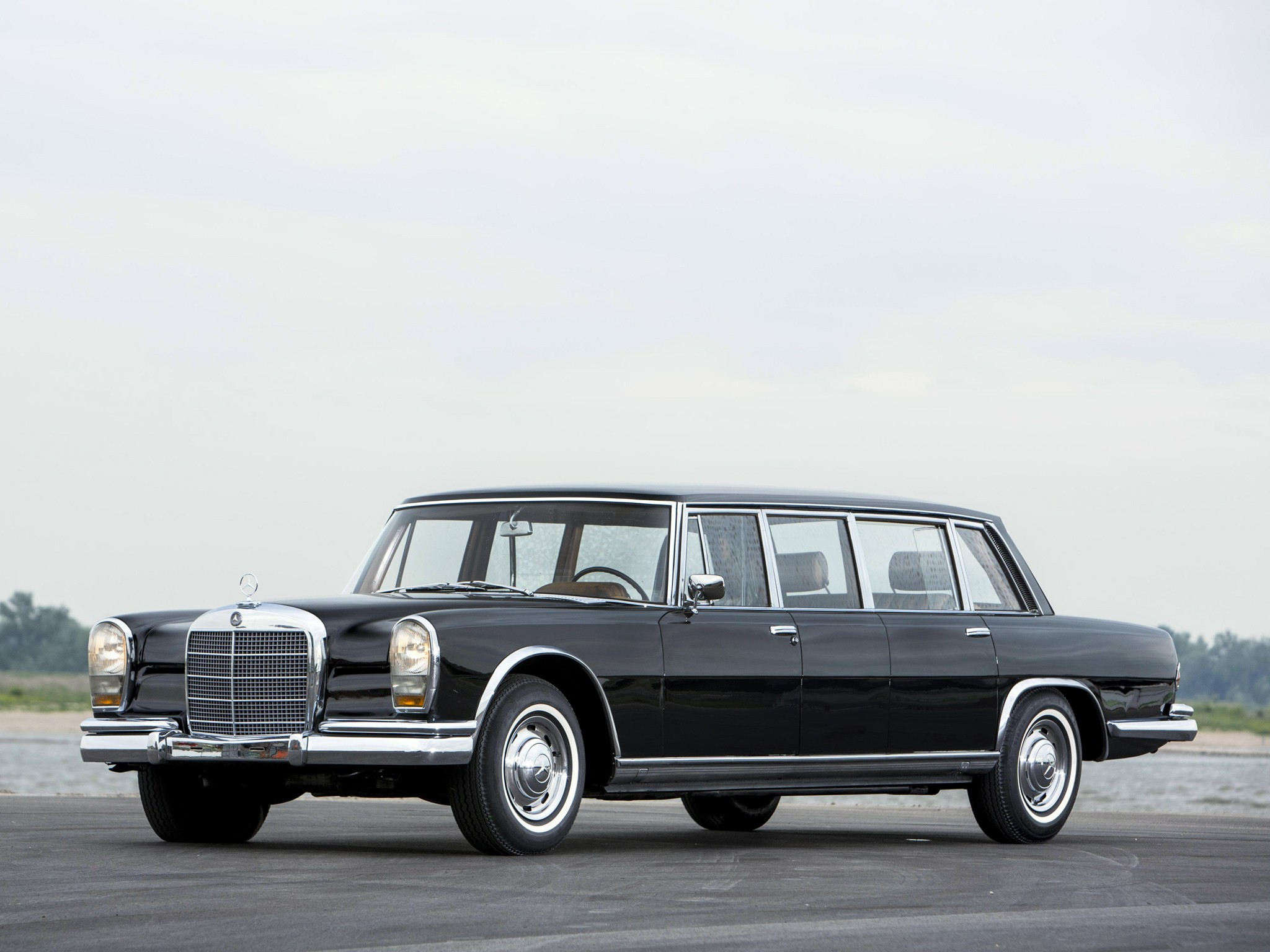 Golf R 400 >> MERCEDES BENZ 600 Pullman (V100) specs & photos - 1964, 1965, 1966, 1967, 1968, 1969, 1970, 1971 ...