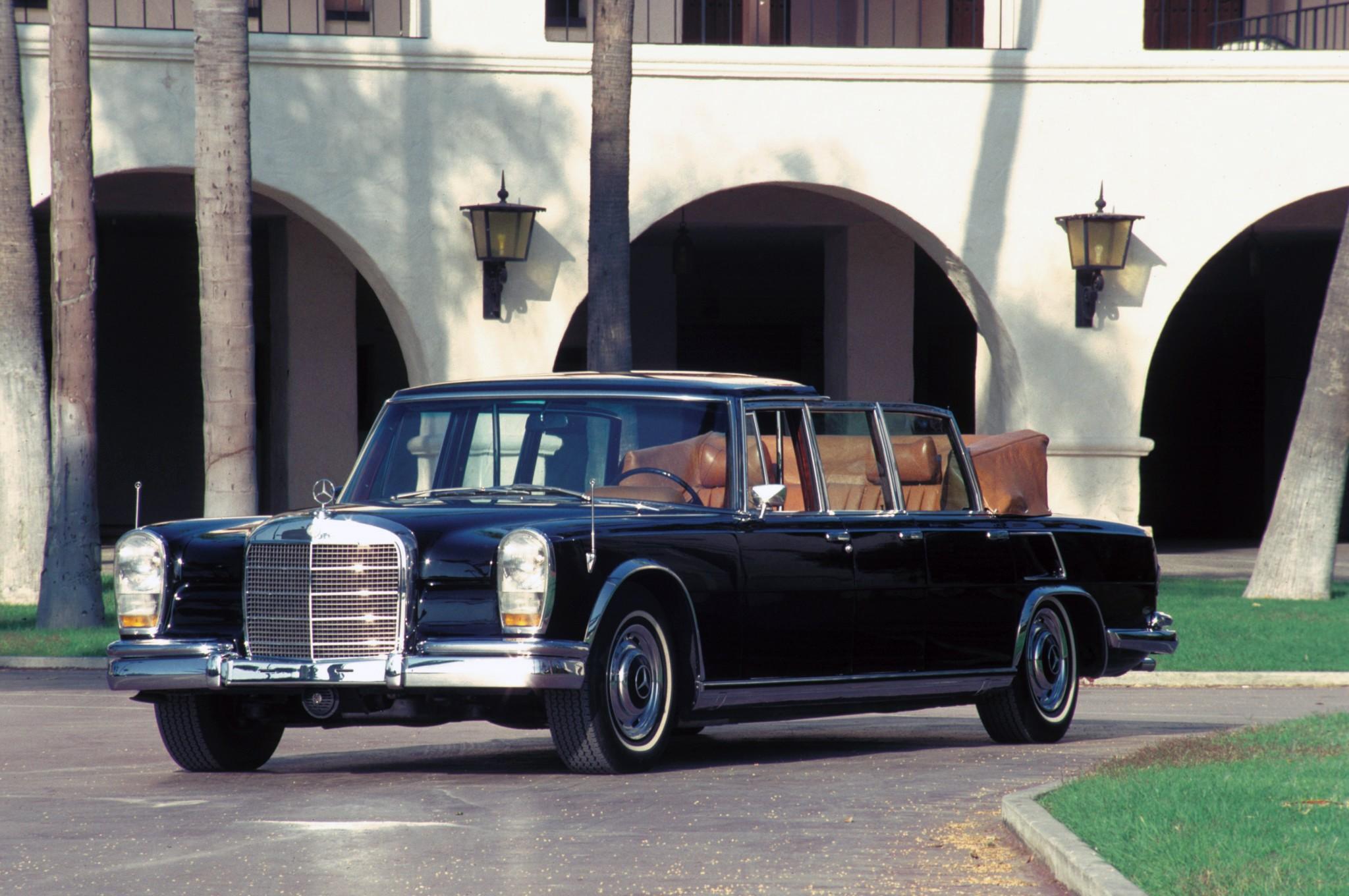 Mercedes Benz Sedan >> MERCEDES BENZ 600 Pullman Landaulet (V100) specs & photos - 1965, 1966, 1967, 1968, 1969, 1970 ...