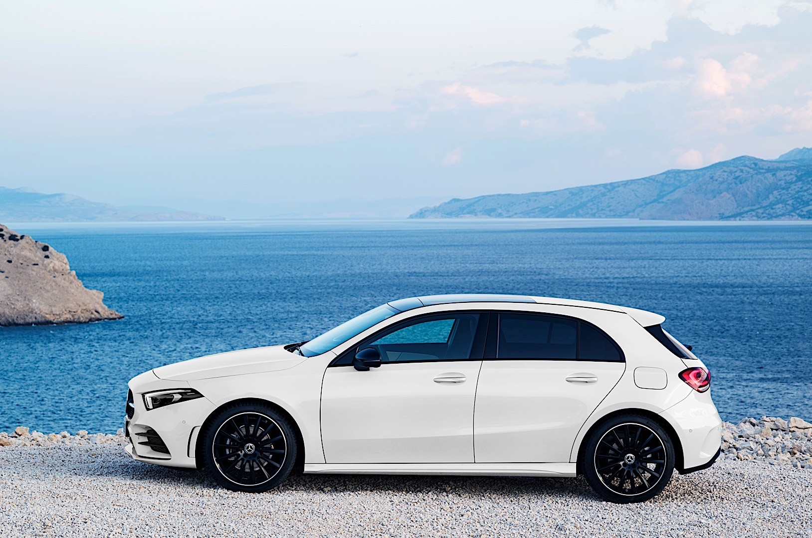 MERCEDES BENZ A-Class (W177) specs & photos - 2018, 2019 ...