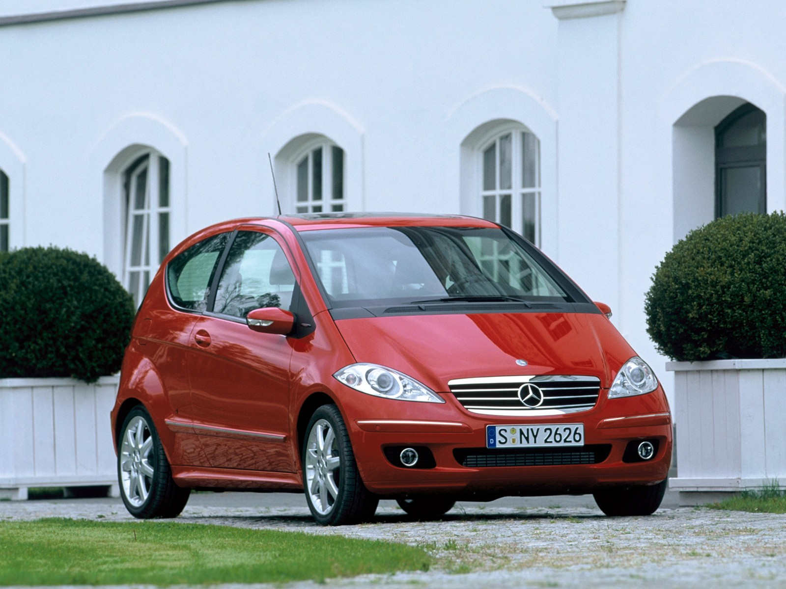 MERCEDES BENZ A Klasse 3 doors W169 Spezifikationen & Fotos 2004