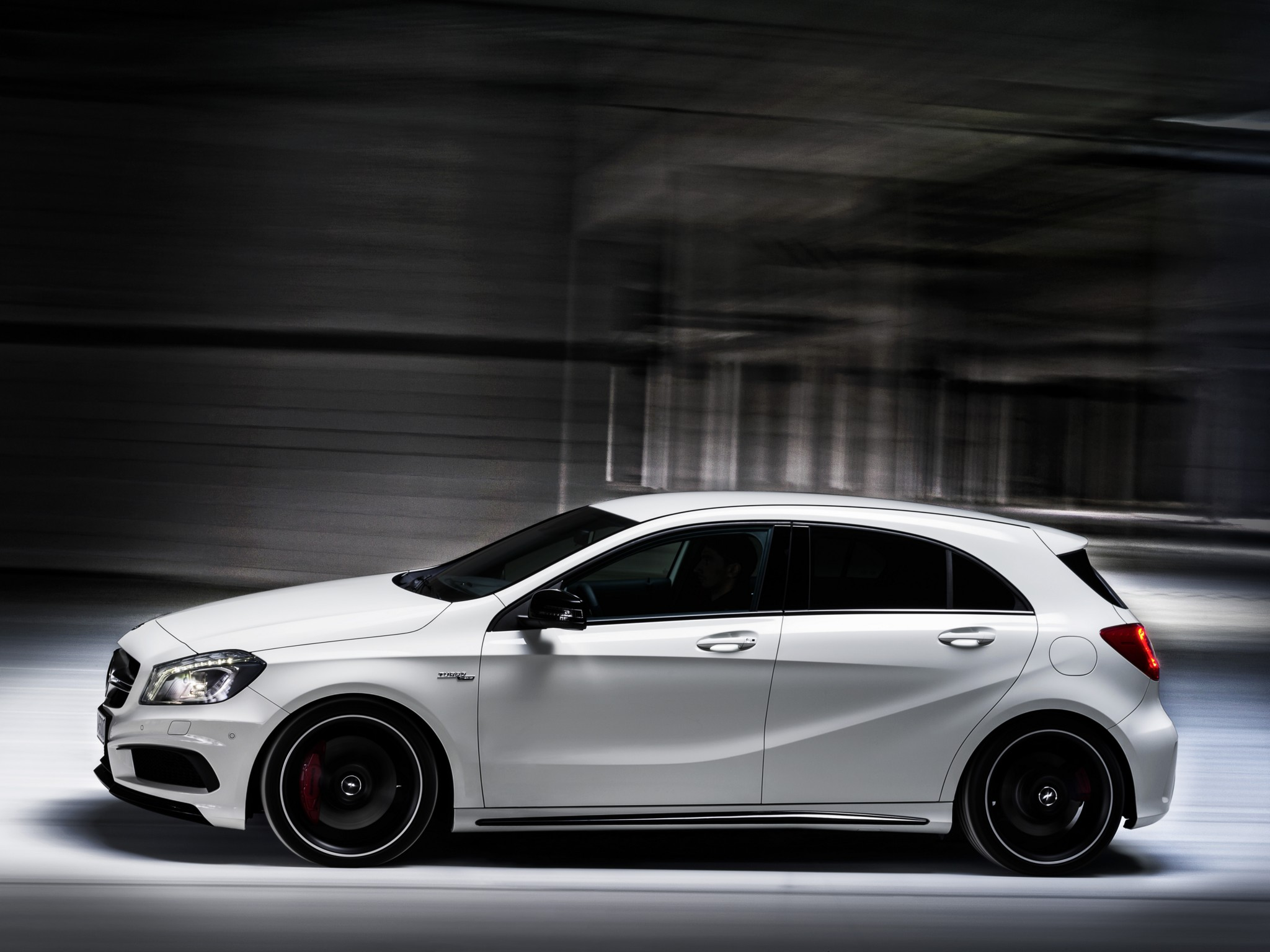 mercedes benz a45 amg w176 specs photos 2013 2014. Black Bedroom Furniture Sets. Home Design Ideas