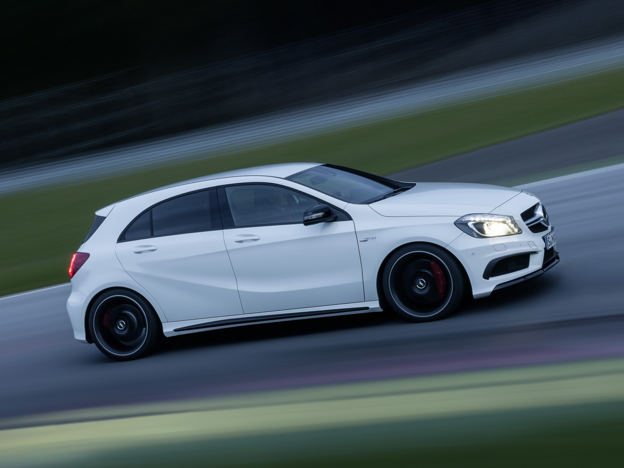 Mercedes benz a45 amg w176 specs 2013 2014 2015 for Mercedes benz a 45