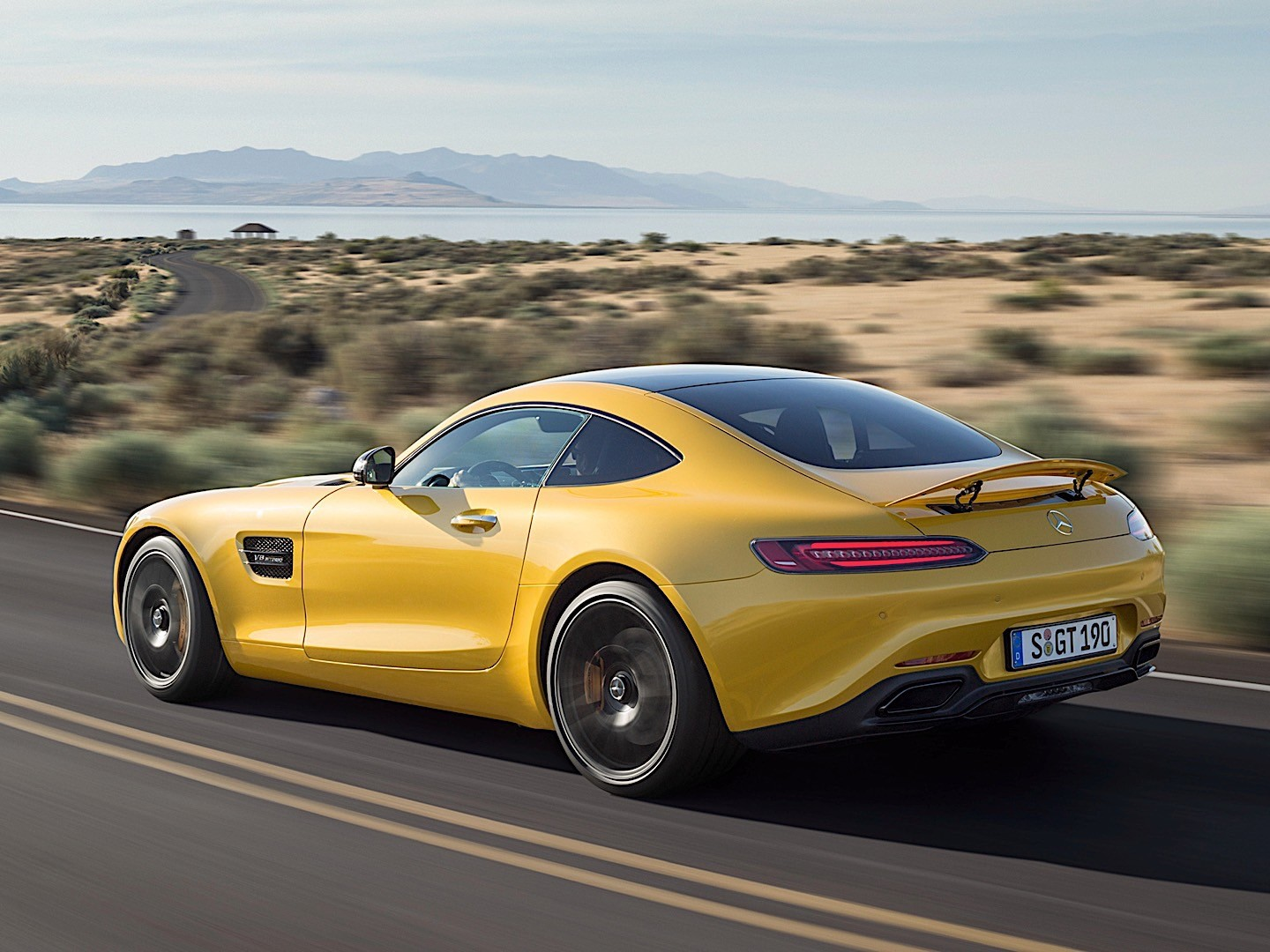 mercedes amg gt s c190 specs 2015 2016 2017 autoevolution. Black Bedroom Furniture Sets. Home Design Ideas