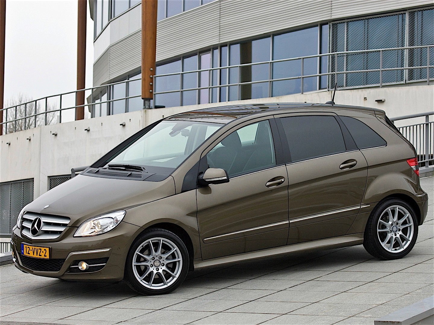 mercedes benz b klasse specs 2008 2009 2010 autoevolution. Black Bedroom Furniture Sets. Home Design Ideas