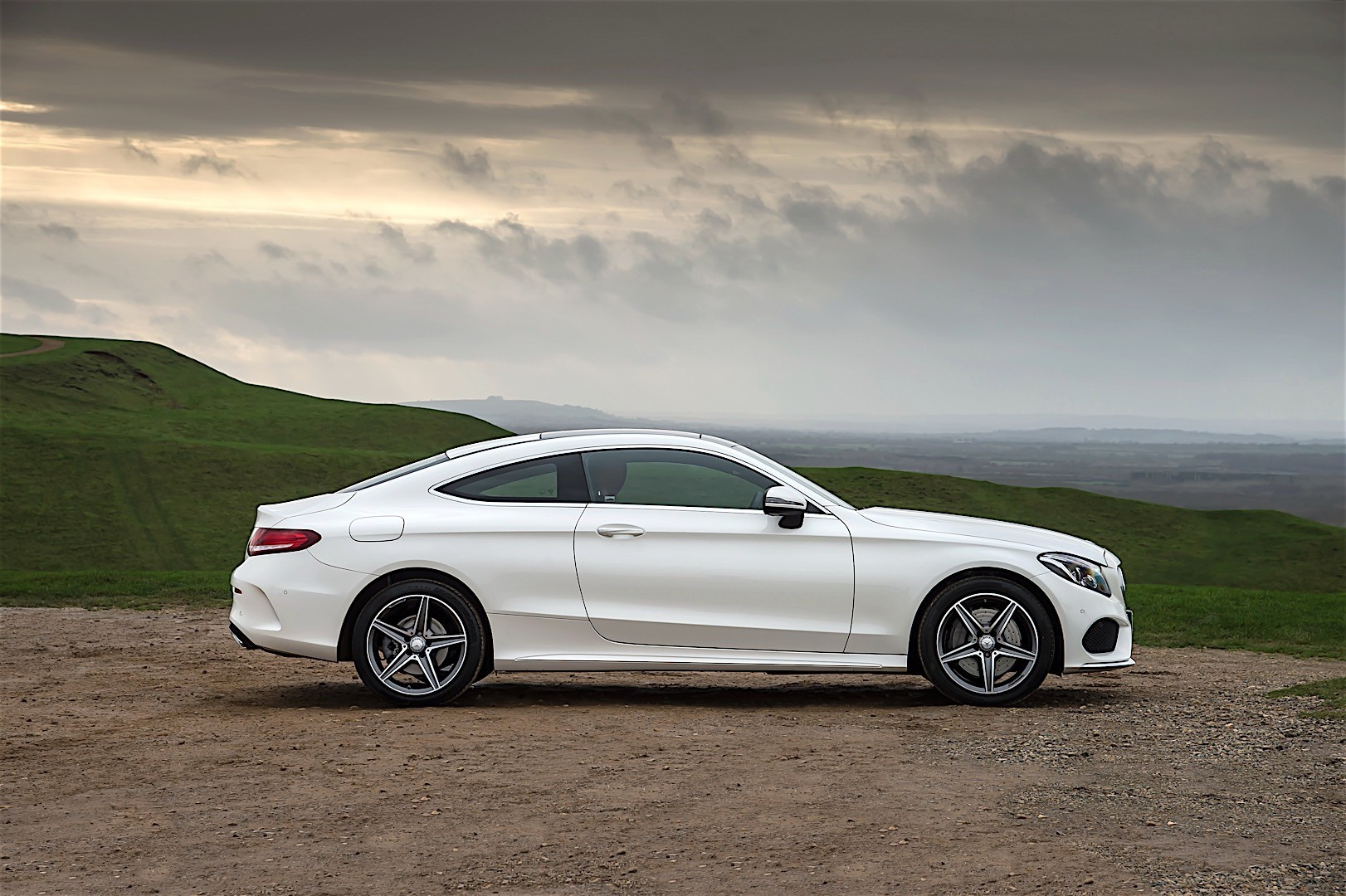 Mercedes benz c class coupe c205 specs 2016 2017 for Mercedes benz c300 horsepower
