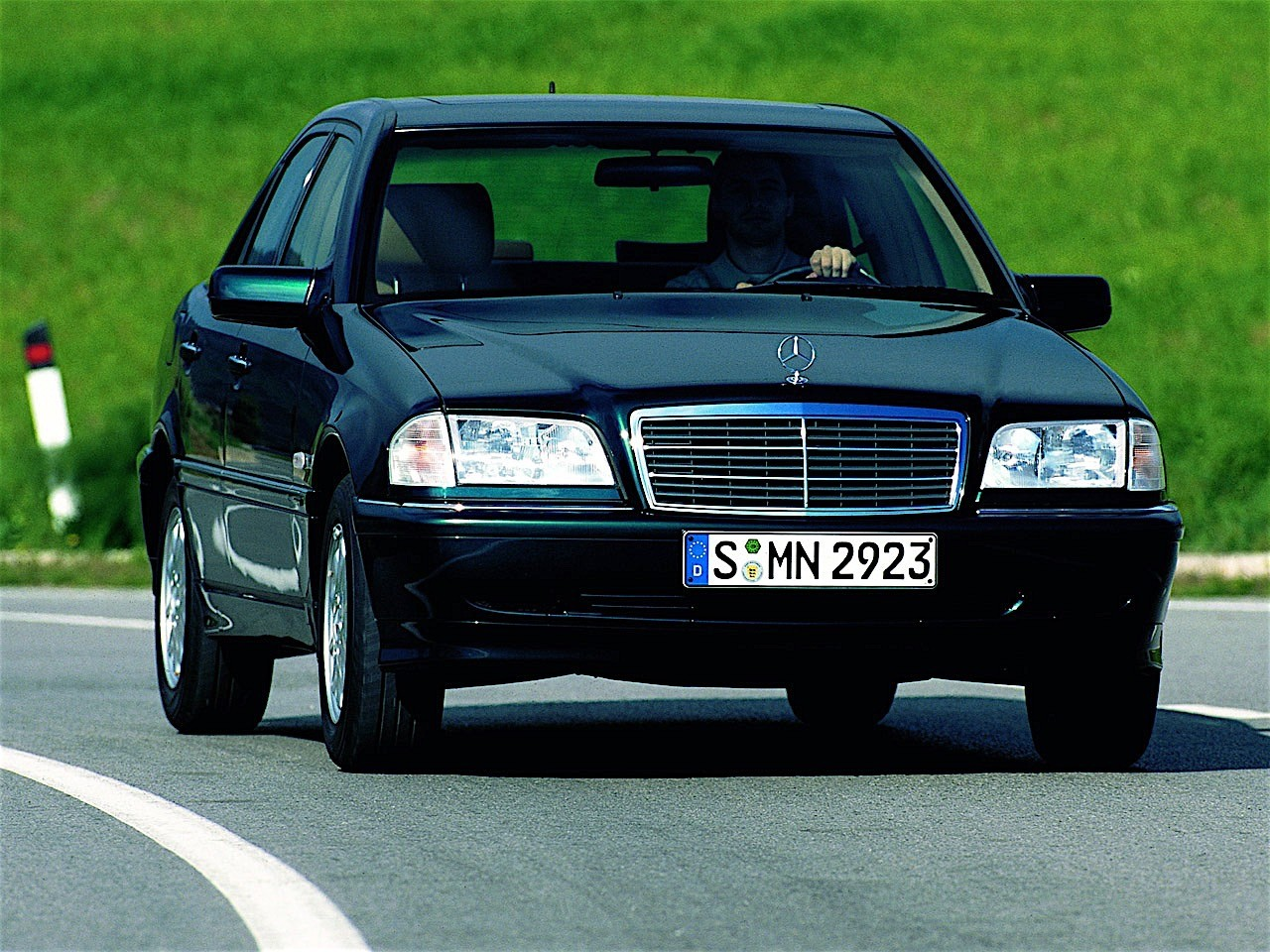 Mercedes benz c klasse w202 specs 1997 1998 1999 for Mercedes benz specs