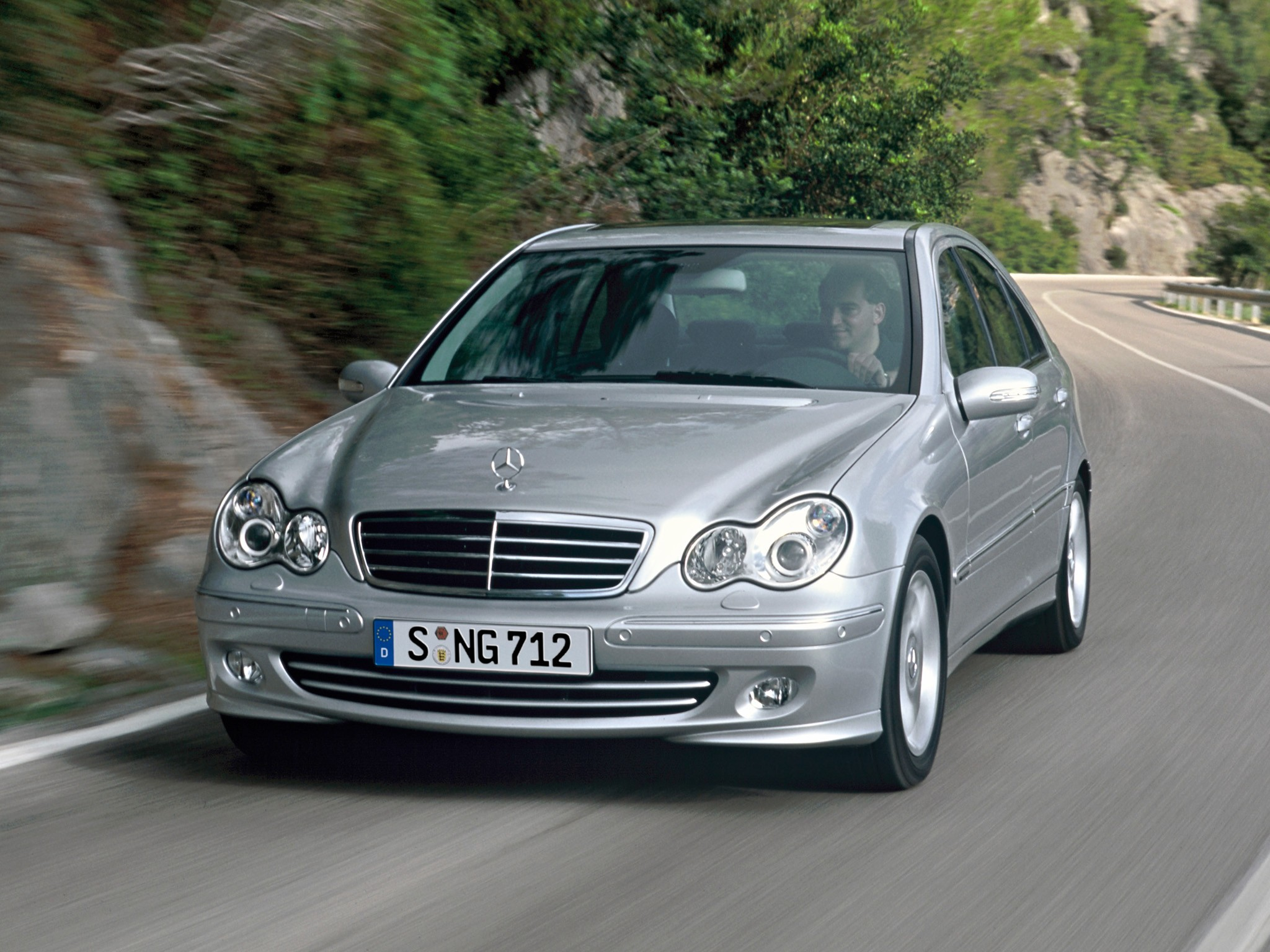 Jerking In Car >> MERCEDES BENZ C-Klasse (W203) - 2004, 2005, 2006, 2007 - autoevolution