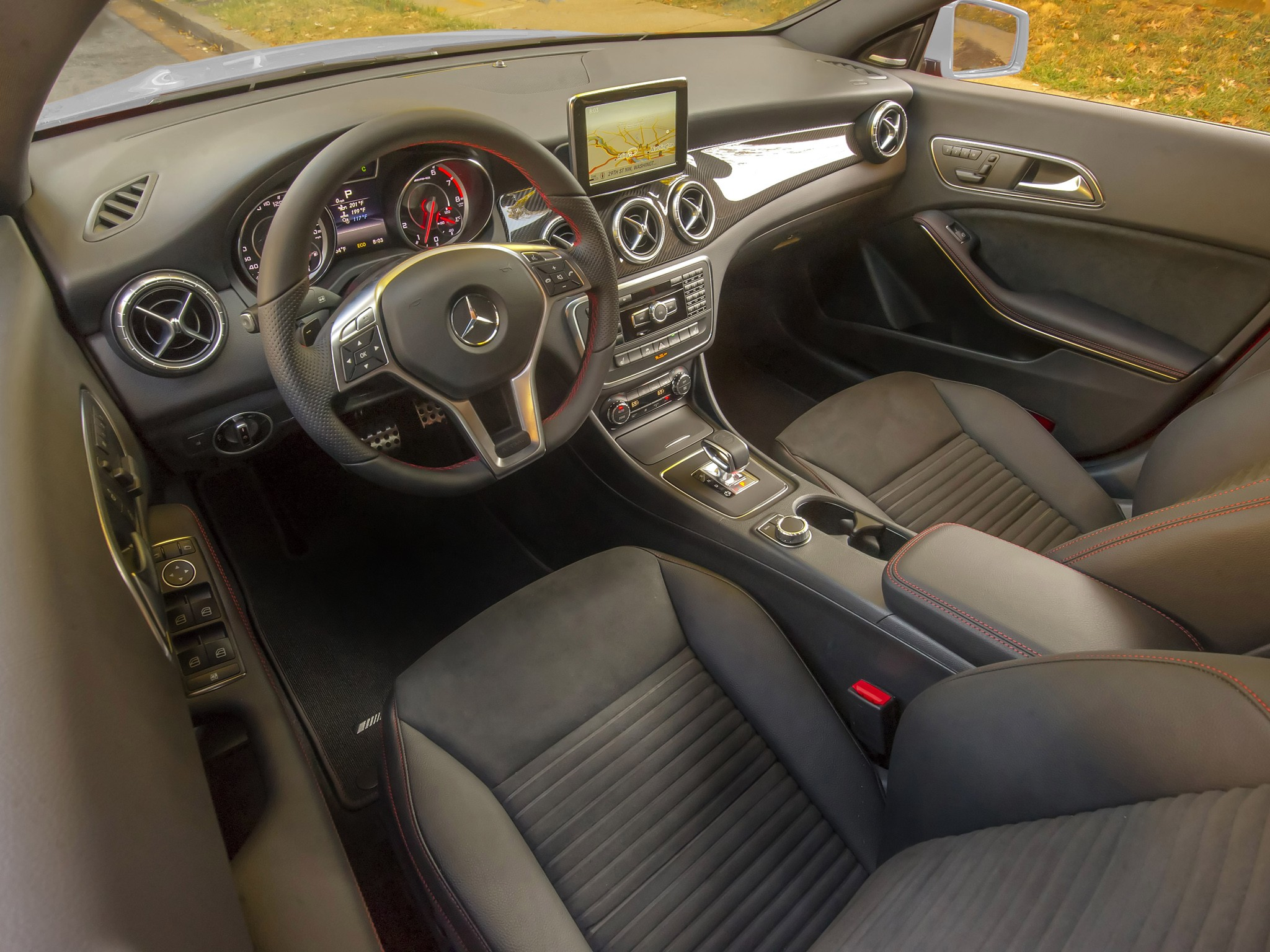 Mercedes Benz Cla 45 Amg C117 Specs 2013 2014 2015 2016 2017 Autoevolution