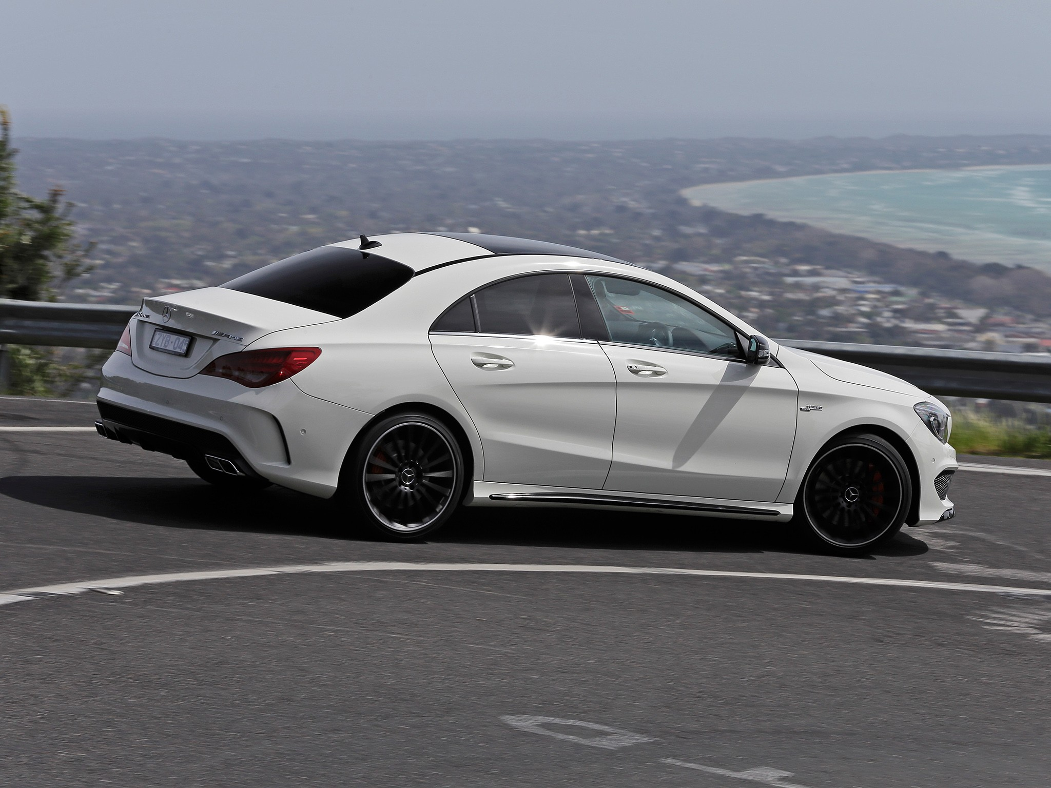 mercedes benz cla 45 amg c117 specs 2013 2014 2015 2016 2017 2018 autoevolution. Black Bedroom Furniture Sets. Home Design Ideas