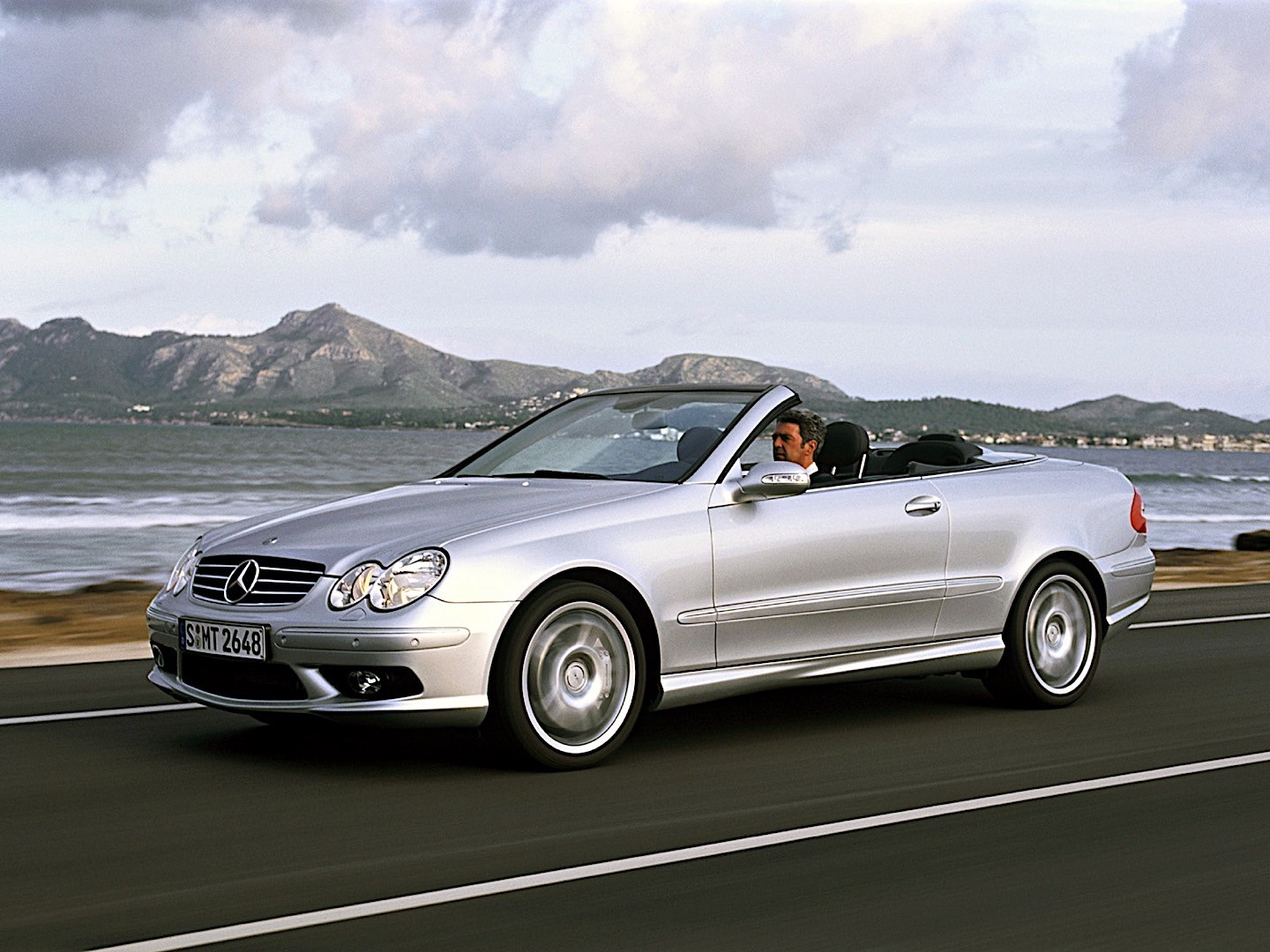 mercedes benz clk 55 amg cabrio a209 specs 2003 2004 2005 2006 autoevolution. Black Bedroom Furniture Sets. Home Design Ideas