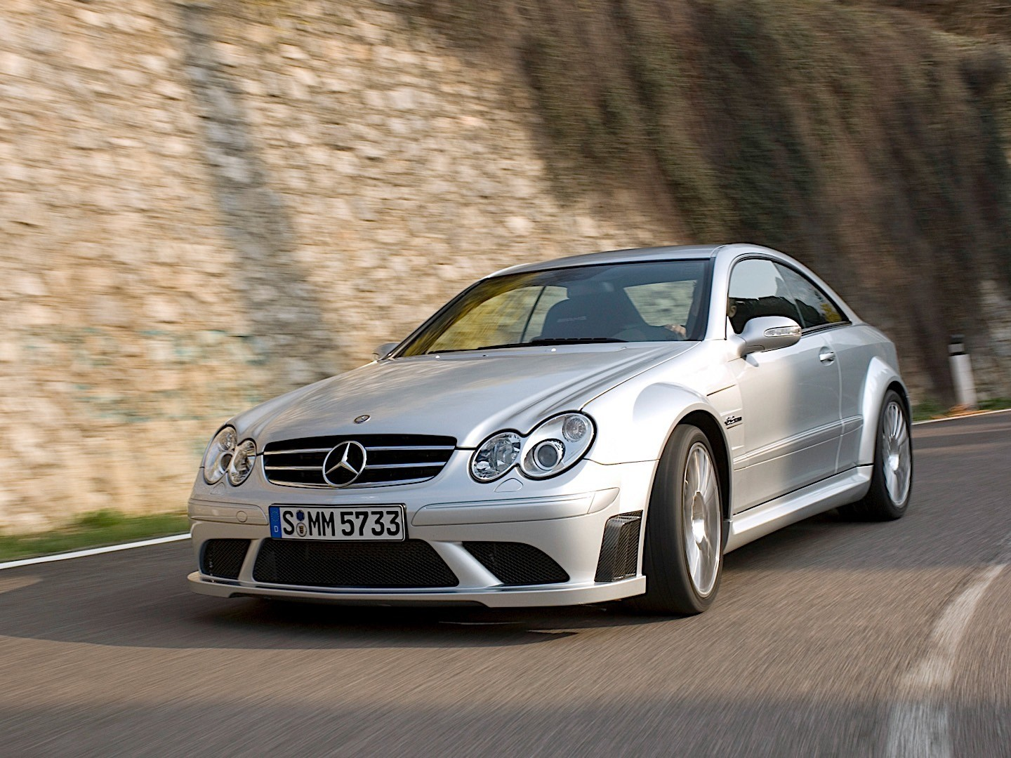 Mercedes benz clk 63 amg black series c209 specs 2007 for Mercedes benz clk black series