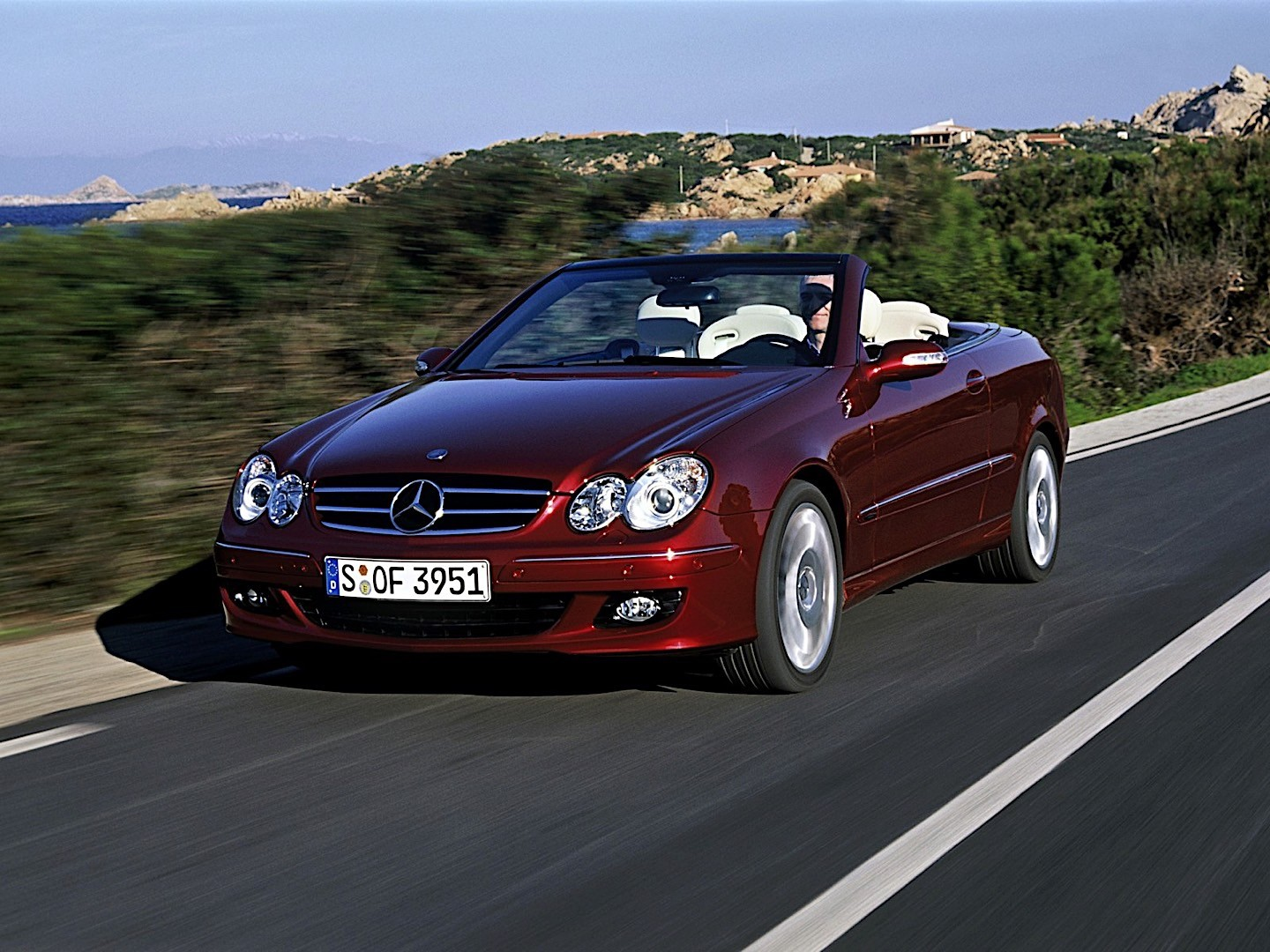 mercedes benz clk cabrio a209 specs 2005 2006 2007 2008 2009 autoevolution. Black Bedroom Furniture Sets. Home Design Ideas