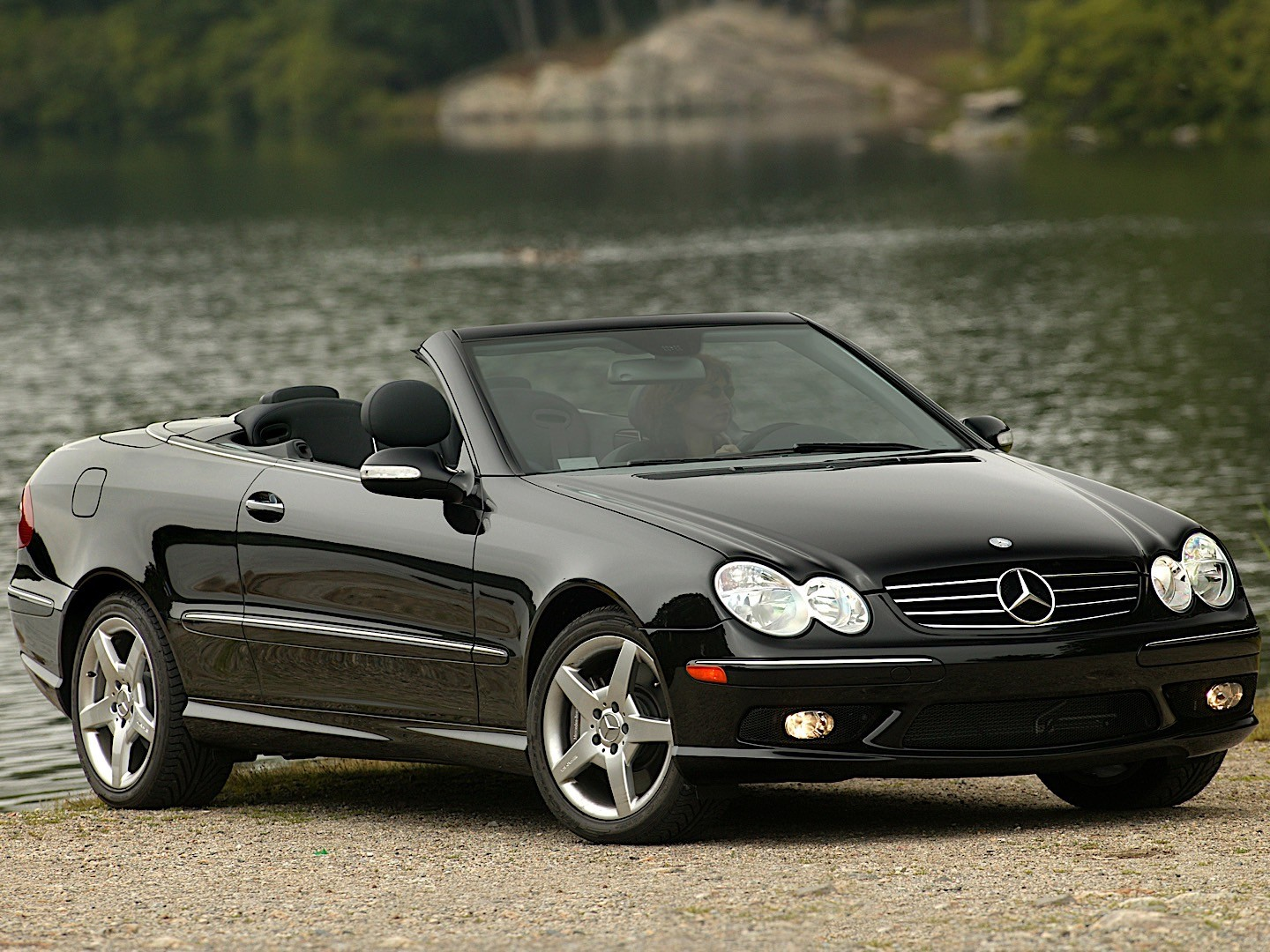 mercedes benz clk cabrio a209 specs 2003 2004 2005 autoevolution. Black Bedroom Furniture Sets. Home Design Ideas