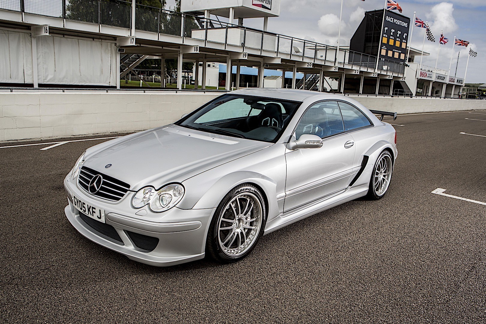 Mercedes benz clk dtm amg c209 specs 2004 autoevolution for Mercedes benz of tysons corner staff