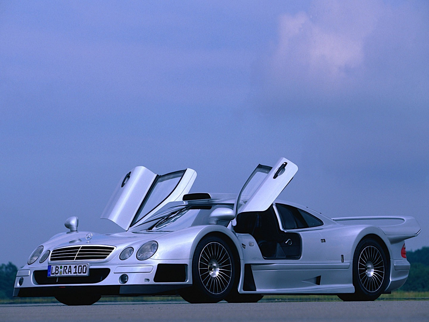 Mercedes Benz Clk Gtr Amg Specs Amp Photos 1998 1999