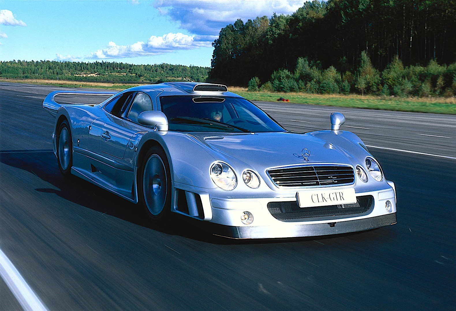 mercedes benz clk gtr amg specs 1998 1999 autoevolution. Black Bedroom Furniture Sets. Home Design Ideas