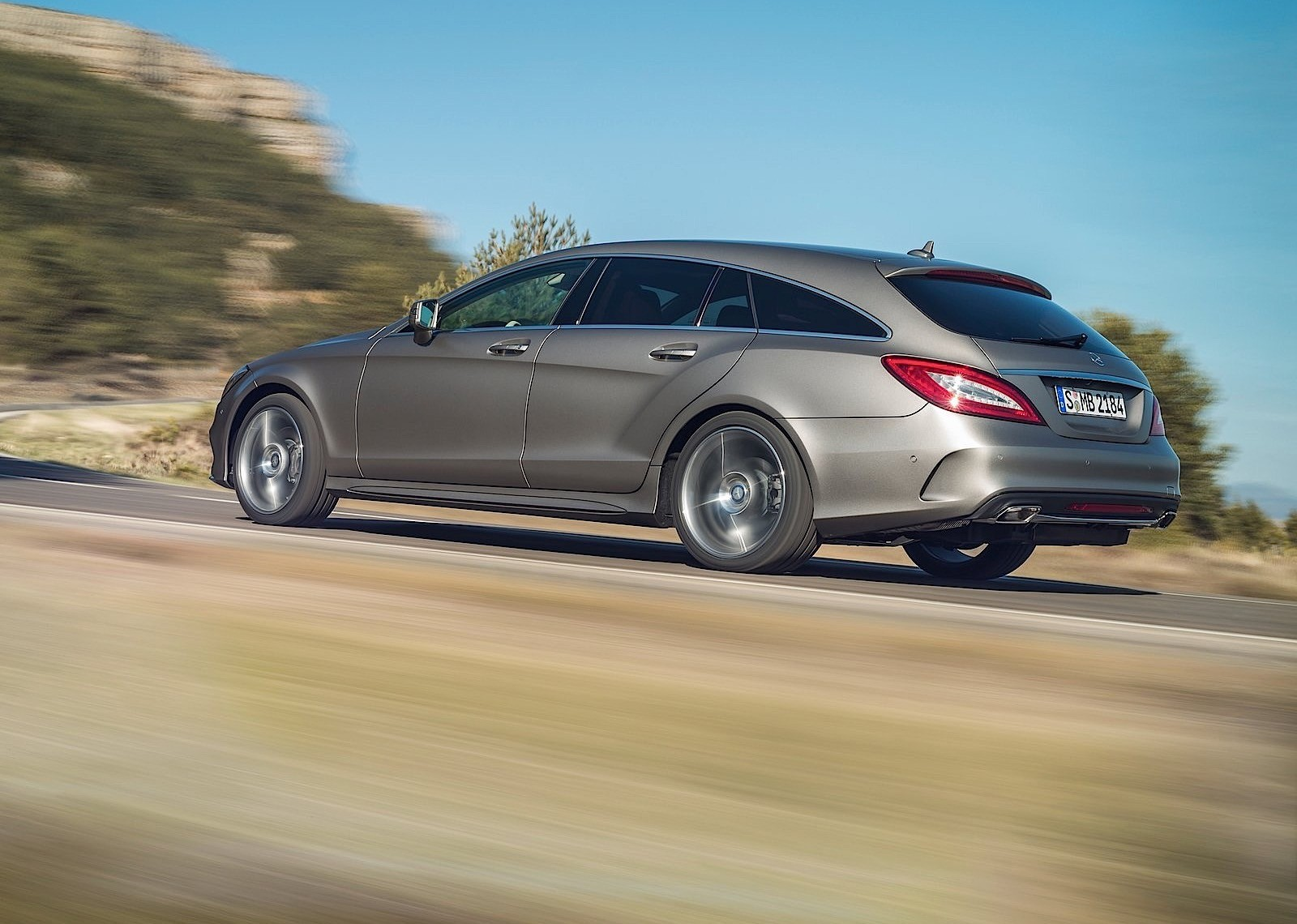 mercedes benz cls shooting brake x218 specs 2014 2015 2016 2017 autoevolution. Black Bedroom Furniture Sets. Home Design Ideas