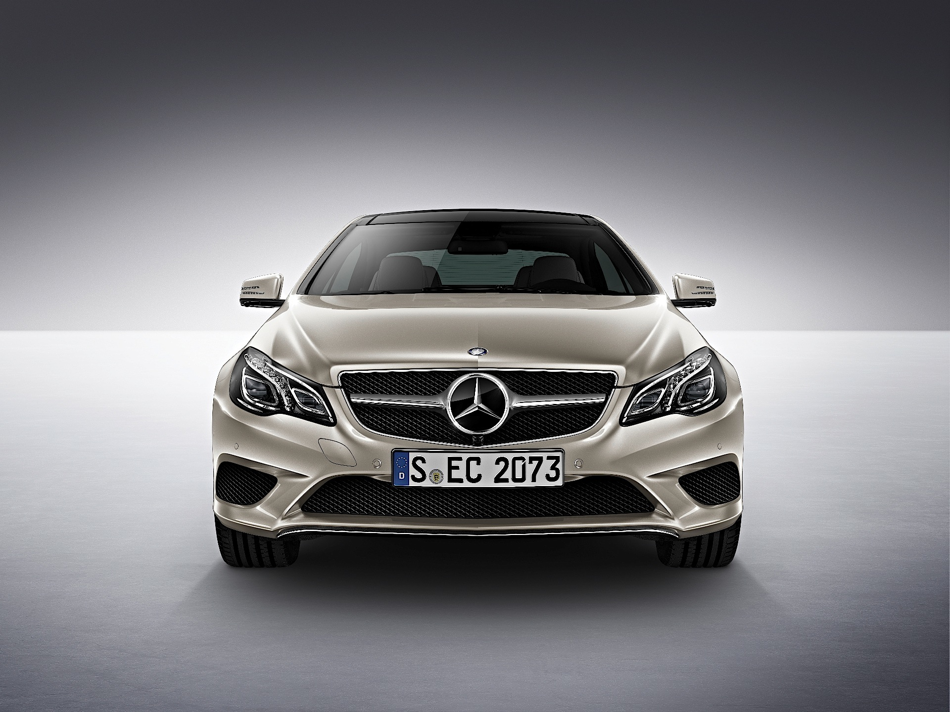 mercedes benz e klasse coupe c207 2013 2014 2015 2016 2017 autoevolution. Black Bedroom Furniture Sets. Home Design Ideas