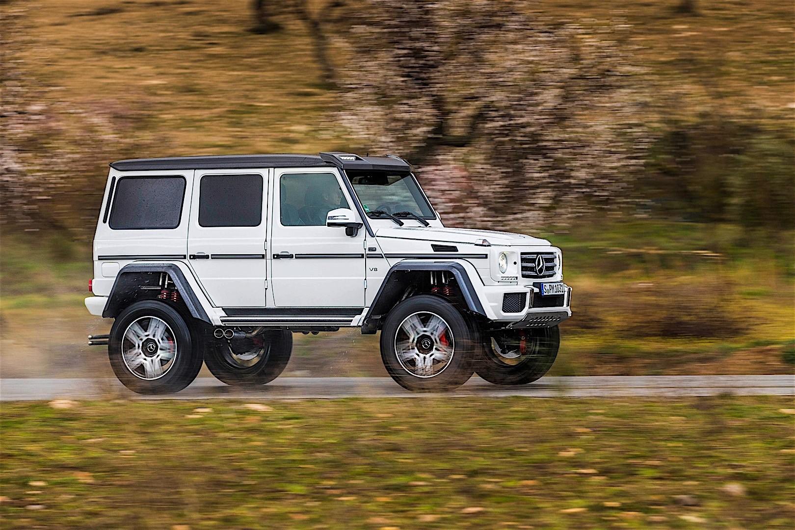 Mercedes benz g class 4x4 squared w463 specs 2015 for Mercedes benz 4x4 squared