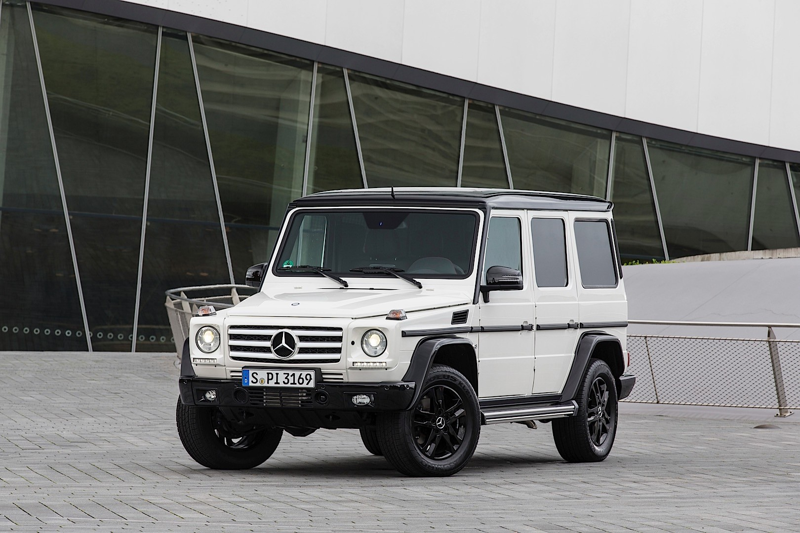 mercedes benz g klasse w463 2012 2013 2014 2015 2016 2017 autoevolution. Black Bedroom Furniture Sets. Home Design Ideas
