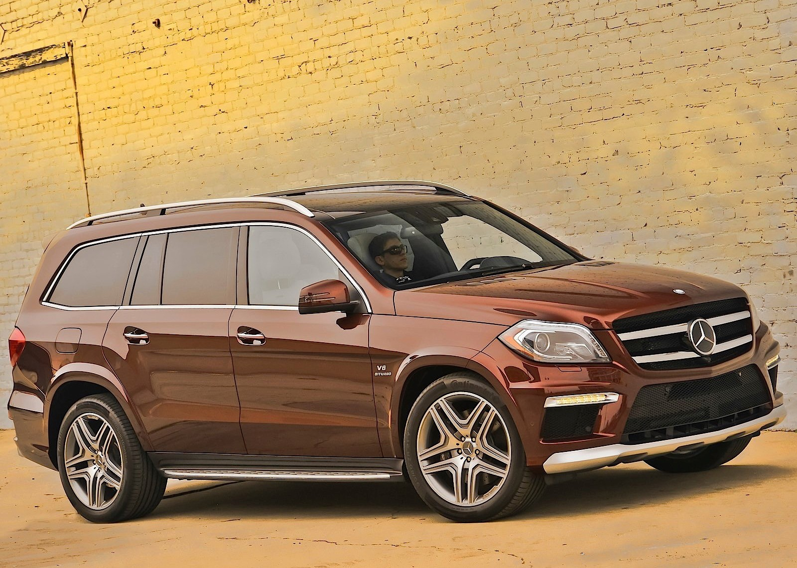mercedes benz gl 63 amg x166 2012 2013 2014 2015 2016 autoevolution. Black Bedroom Furniture Sets. Home Design Ideas