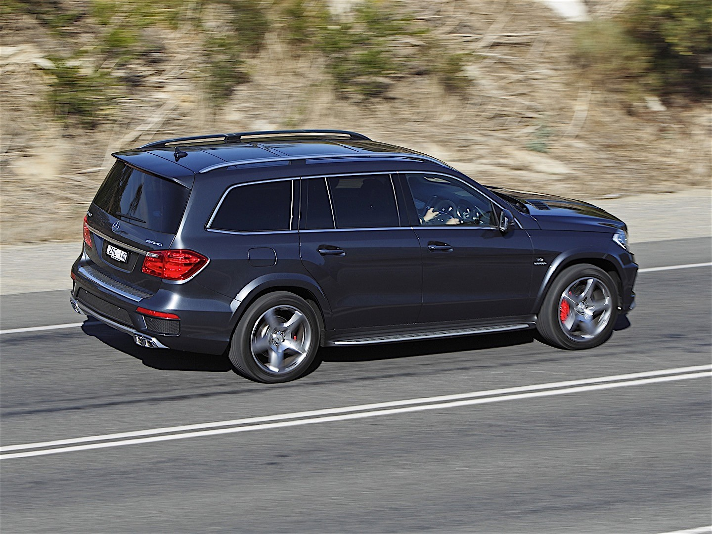 mercedes benz gl 63 amg x166 specs 2012 2013 2014 2015 2016 autoevolution. Black Bedroom Furniture Sets. Home Design Ideas