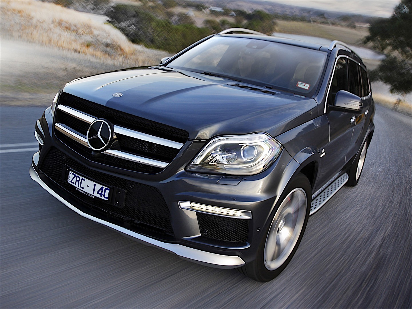 mercedes benz gl 63 amg x166 specs 2012 2013 2014. Black Bedroom Furniture Sets. Home Design Ideas