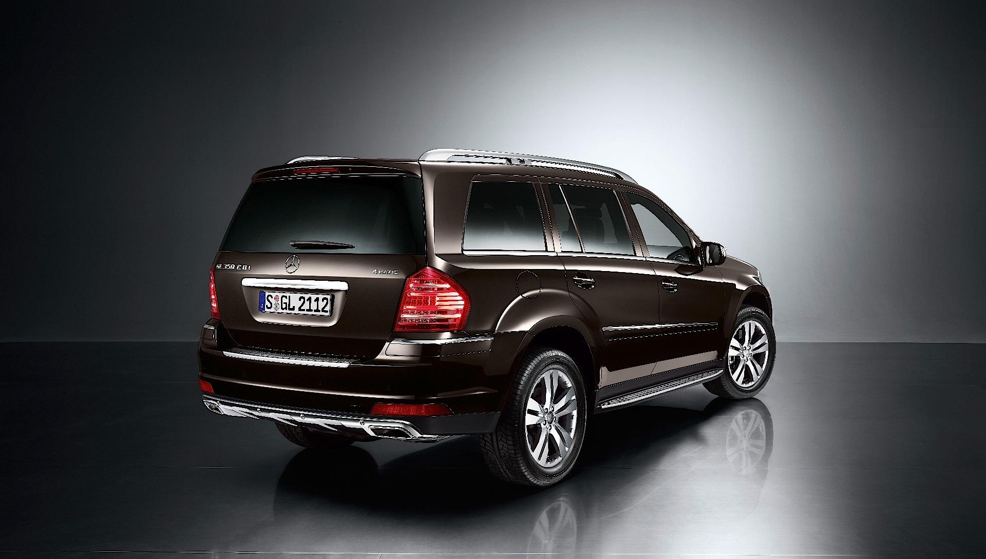 Mercedes benz gl klasse x164 specs 2009 2010 2011 for 2009 mercedes benz gl550 4matic
