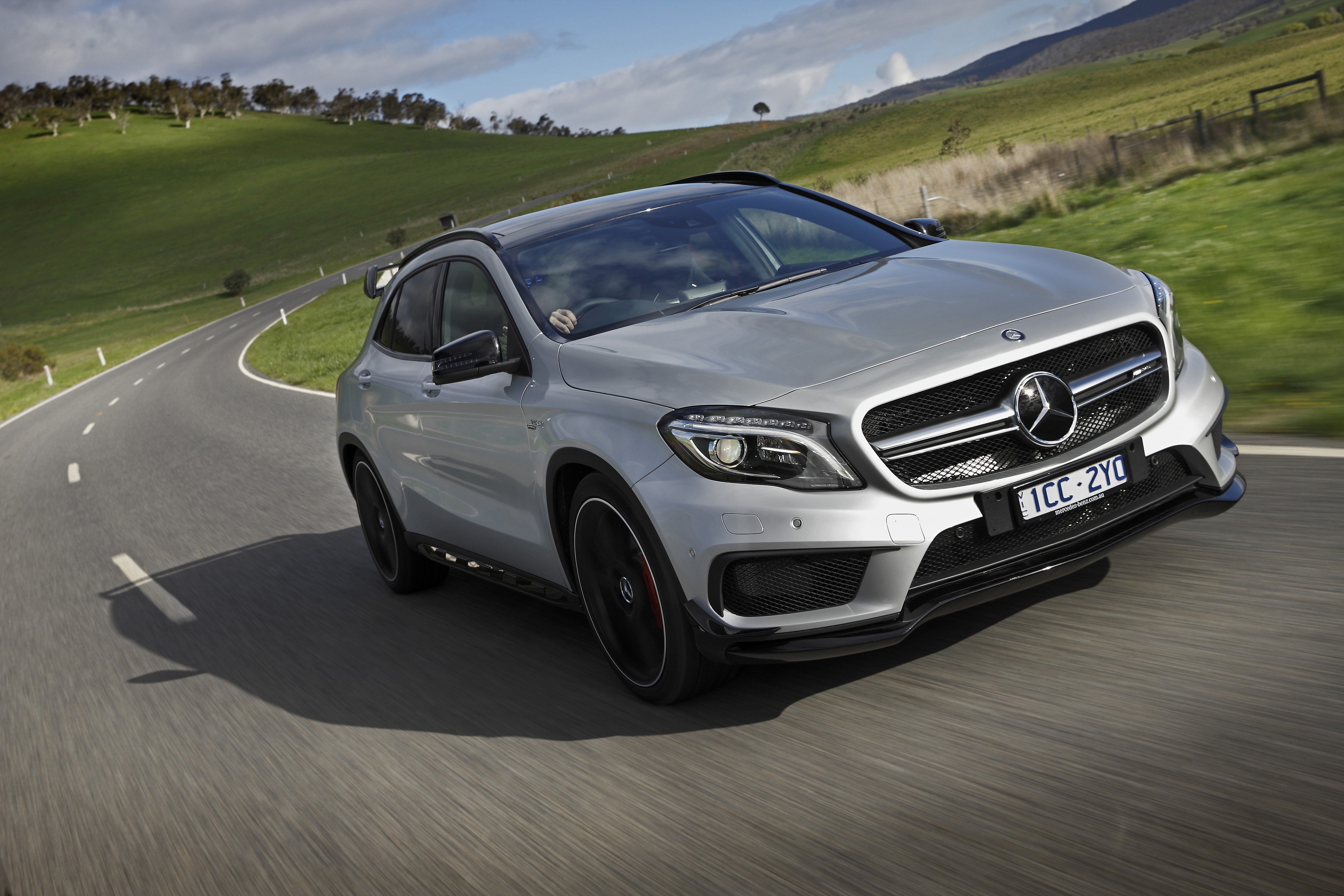 Mercedes gla 45 amg length 2017 2018 best cars reviews for Mercedes benz gla release date